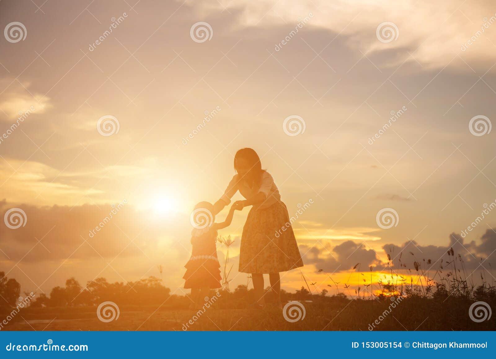 Gelukkige moeder met baby