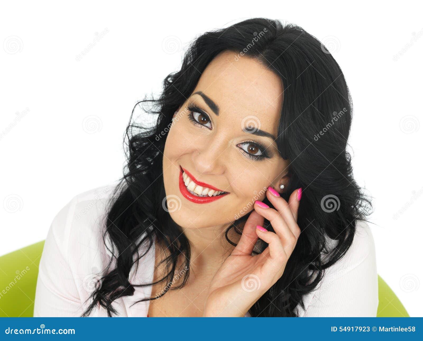 Gelukkige Ontspannen Tevreden Nadenkende Aantrekkelijke Jonge Spaanse Vrouw