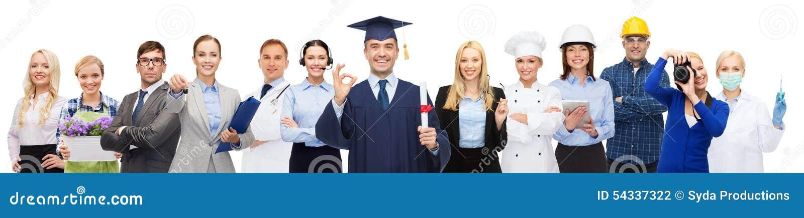 gelukkige vrijgezel met diploma over beroeps - De Vrijgezelmeisjes 2015