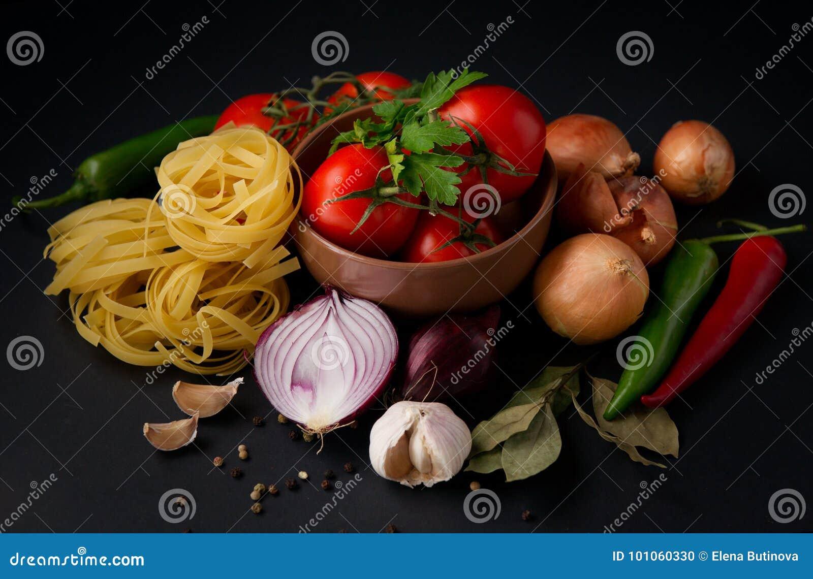 Gemüse und Teigwaren