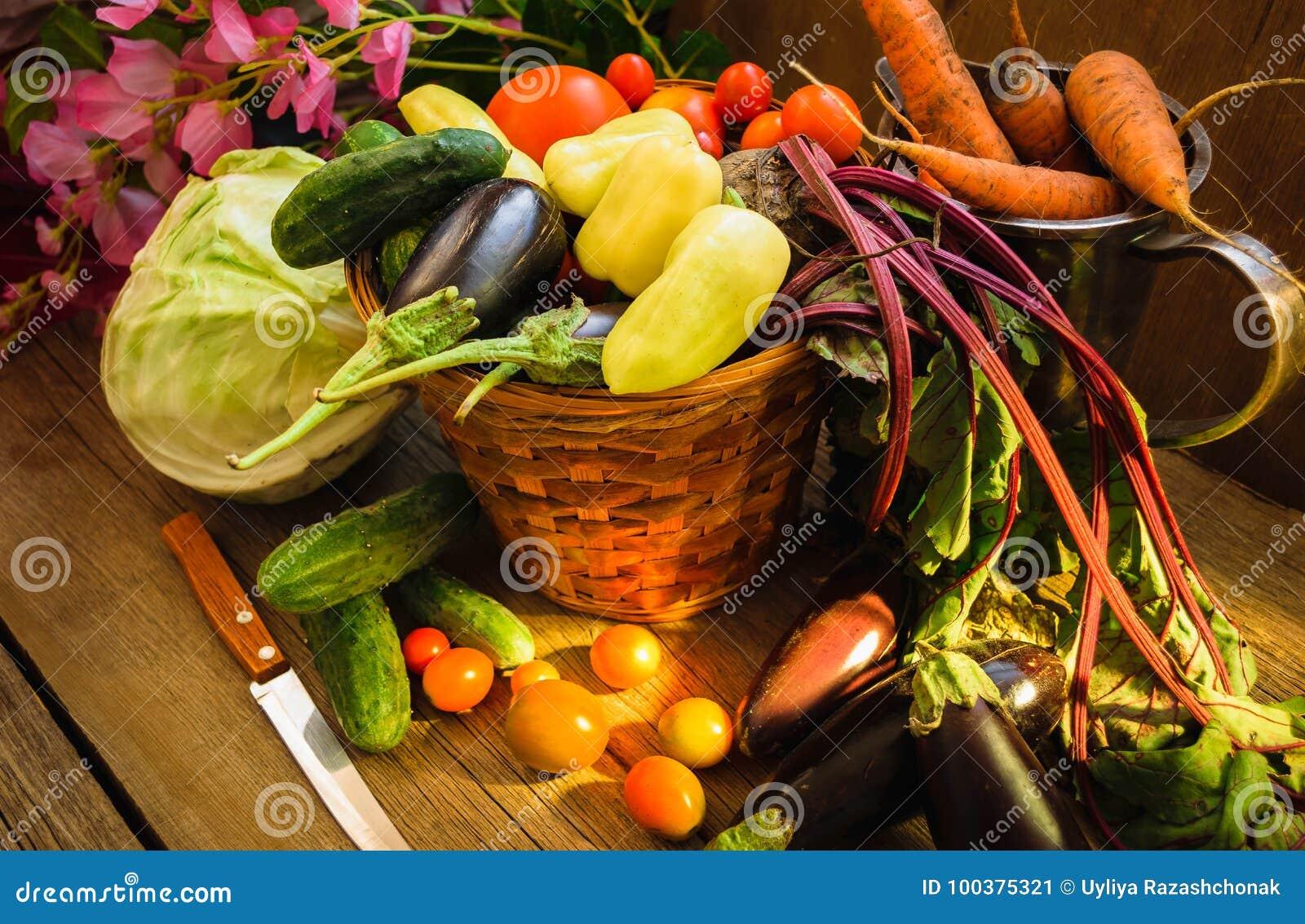 Gemüseernte-Stillleben