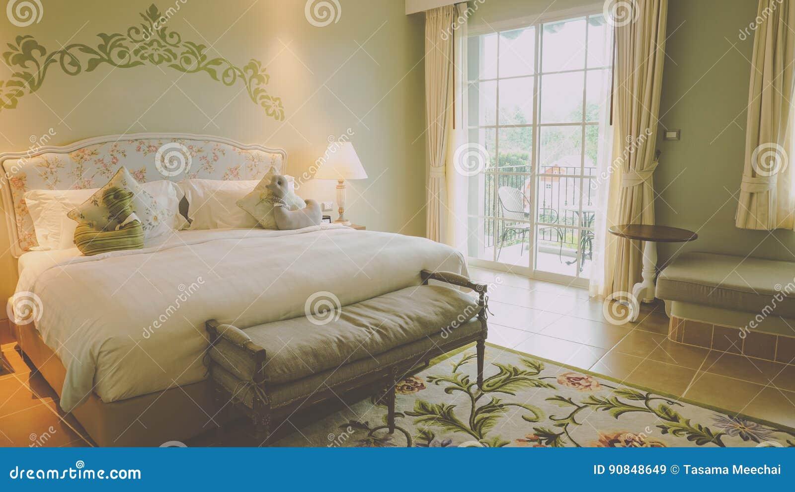 Gemütliches Schlafzimmer stockbild. Bild von haus, raum - 90848649