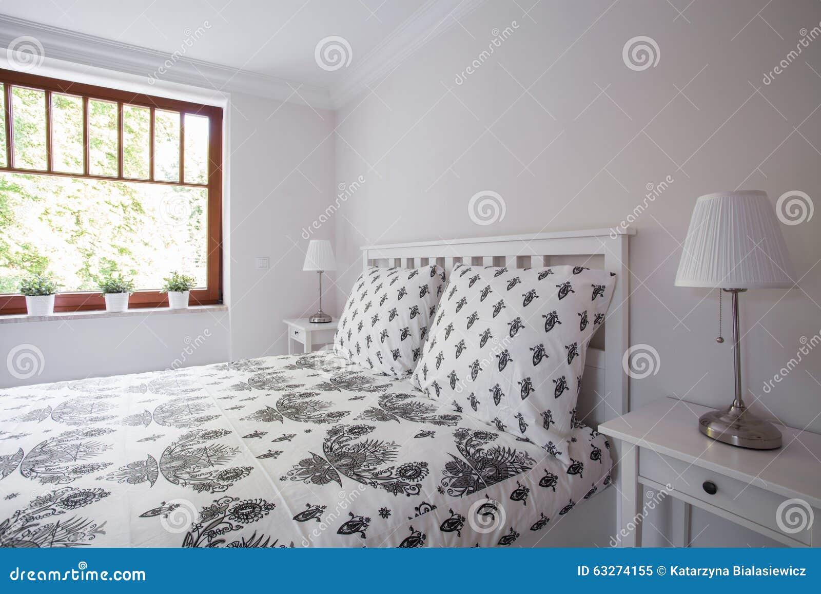 gem tliches und ordentliches bett stockfoto bild 63274155. Black Bedroom Furniture Sets. Home Design Ideas