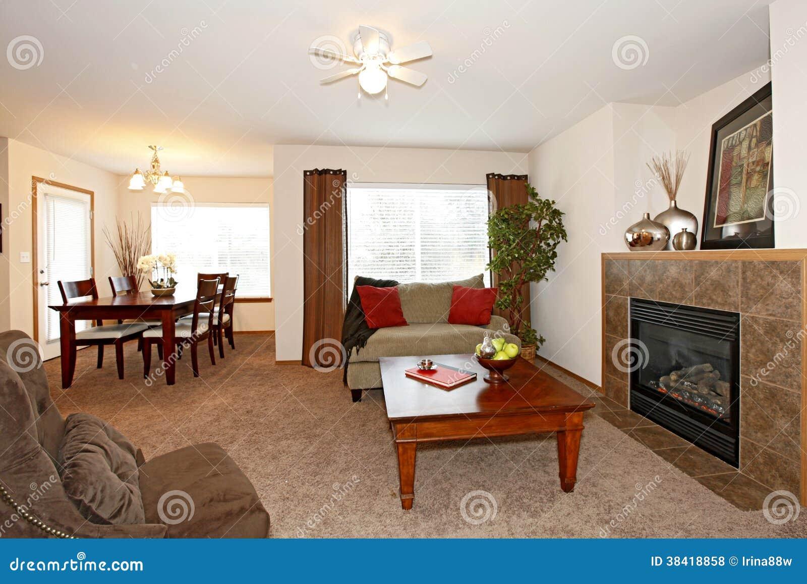 Ansprechend Gemütliches Wohnzimmer Dekoration Von Gemütliches Mit Einem Kamin