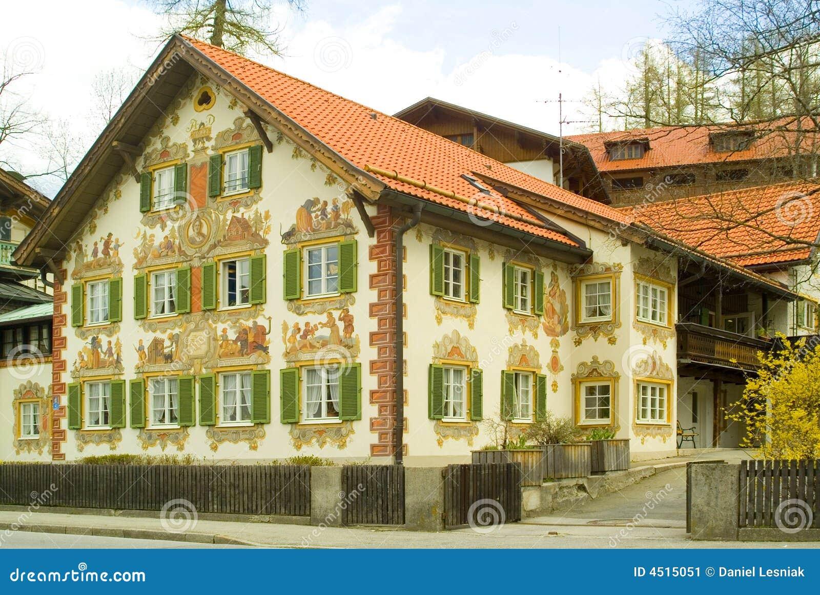 gemaltes haus im bayern stockbild bild von alpen anstrich 4515051. Black Bedroom Furniture Sets. Home Design Ideas