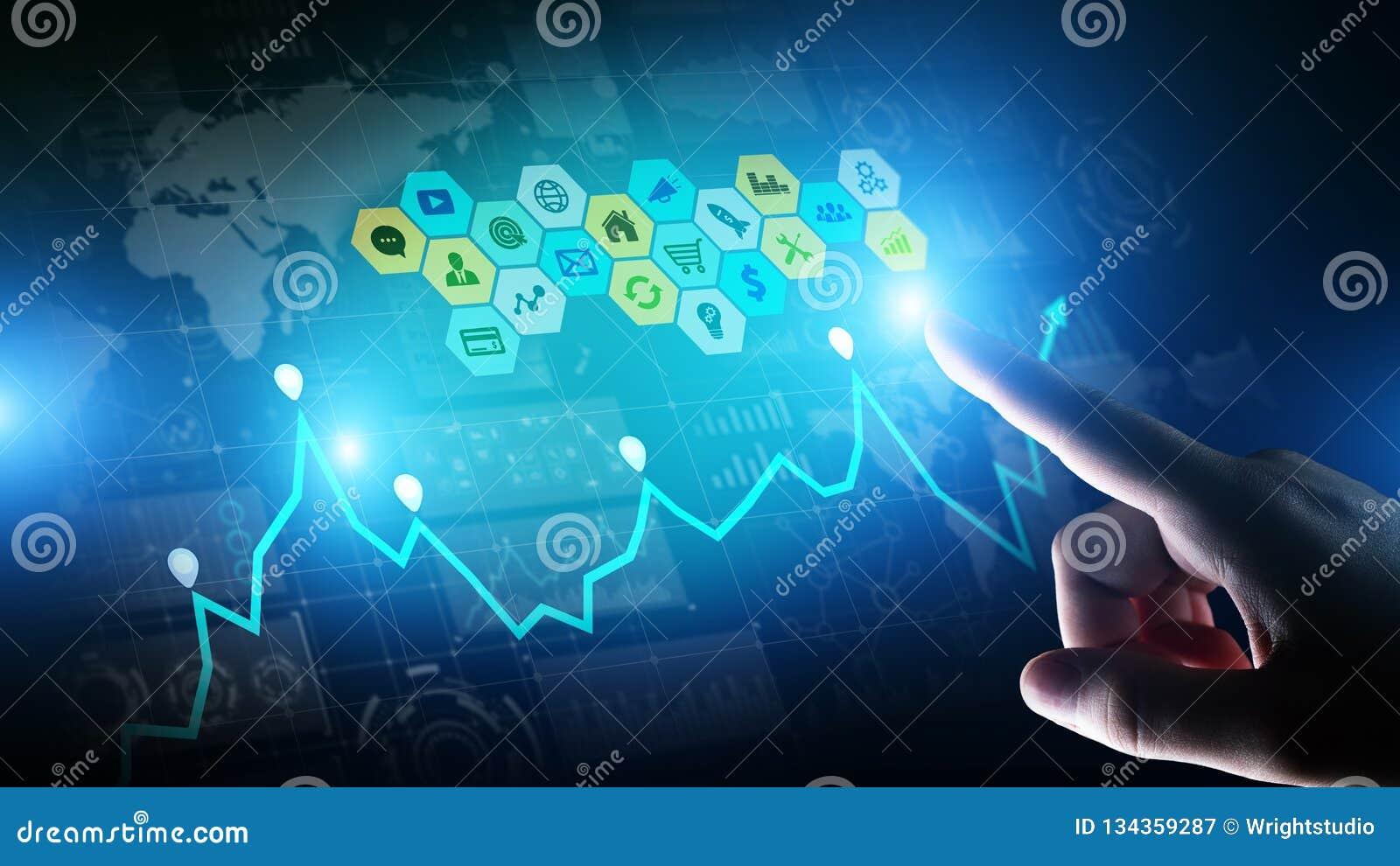 Gemengde media, Bedrijfsinformatieanalytics Pictogrammen, grafieken en grafieken op het virtuele scherm Investering en handelconc