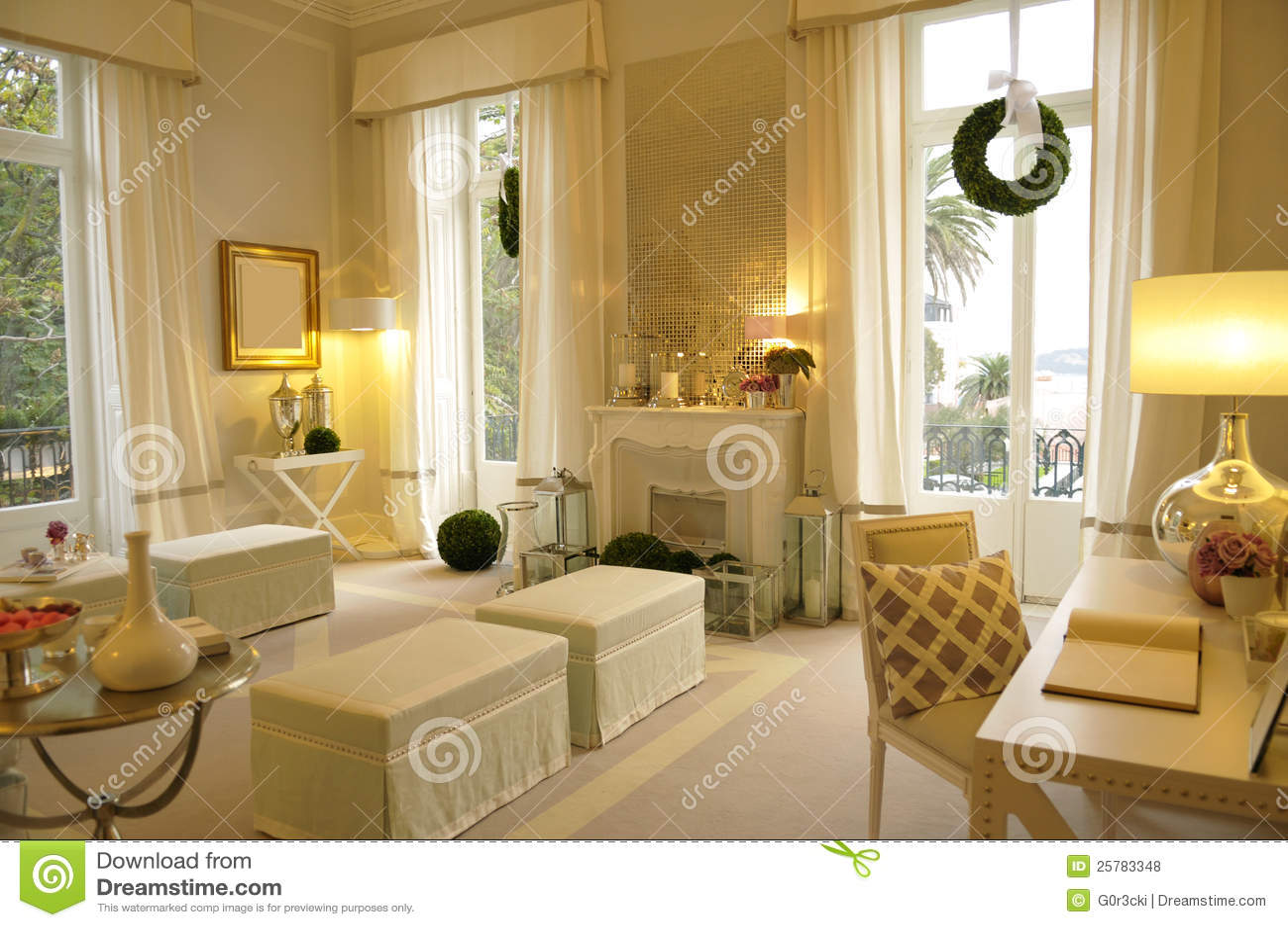 gemtliches wohnzimmer lizenzfreie stockfotos bild 25783348 - Gemtliche Wohnzimmer