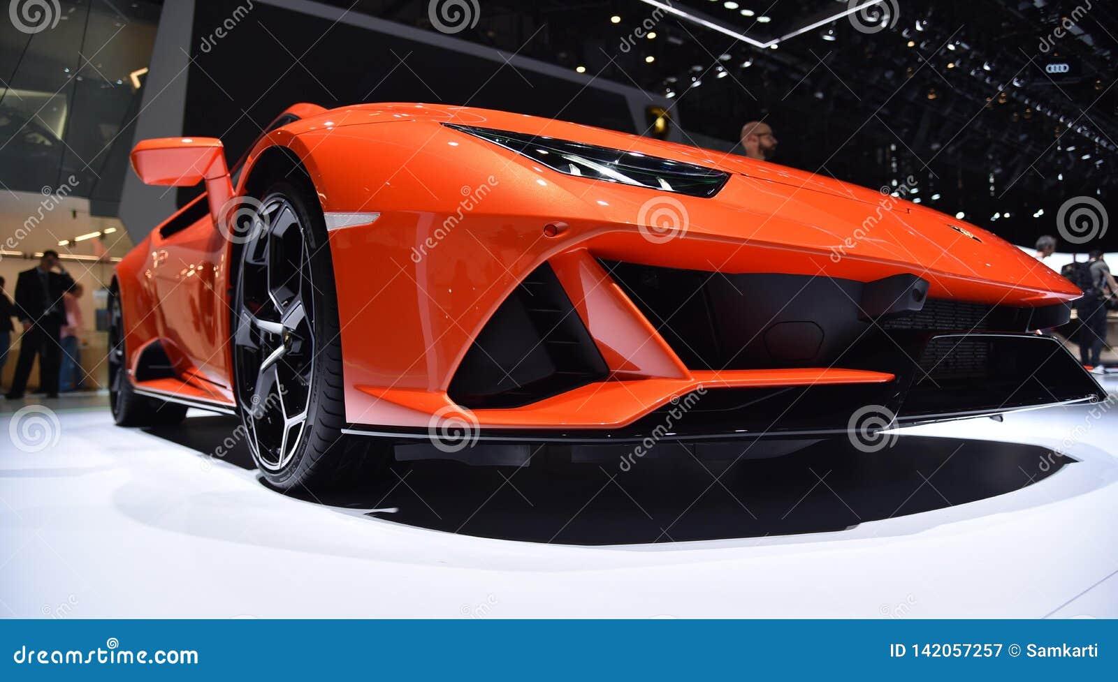 Genève Schweiz - mars 05, 2019: Den Lamborghini Huracan EVO bilen ställde ut på den internationella motorshowen för den 89th Genè