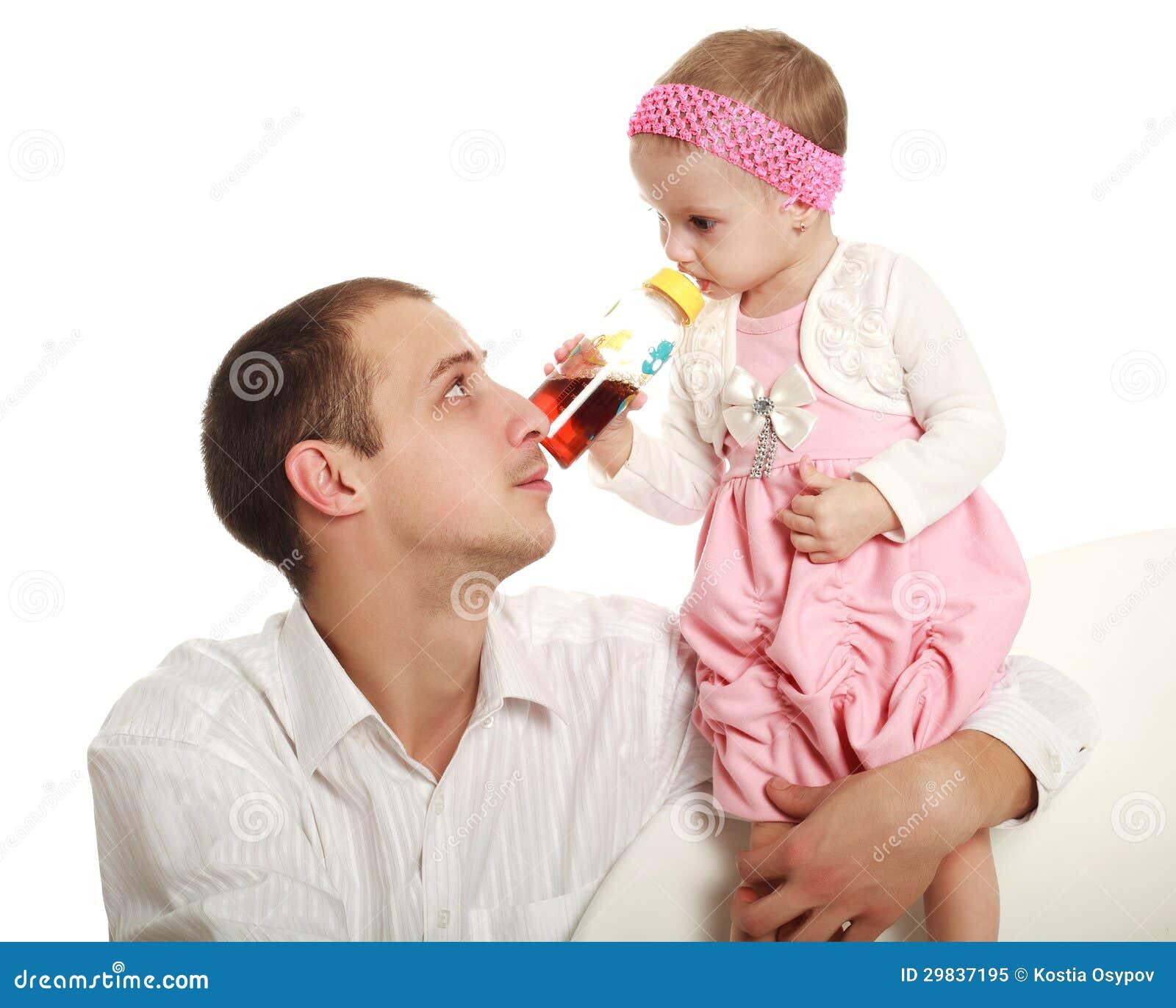 Pai e sua filha pequena