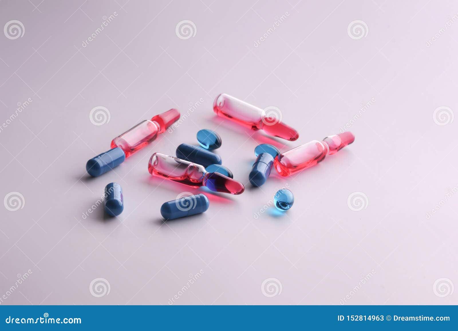 Geneeskundedrugs Medische voorbereidingen voor gezondheid Ampullen, tabletten, pillen in apotheek