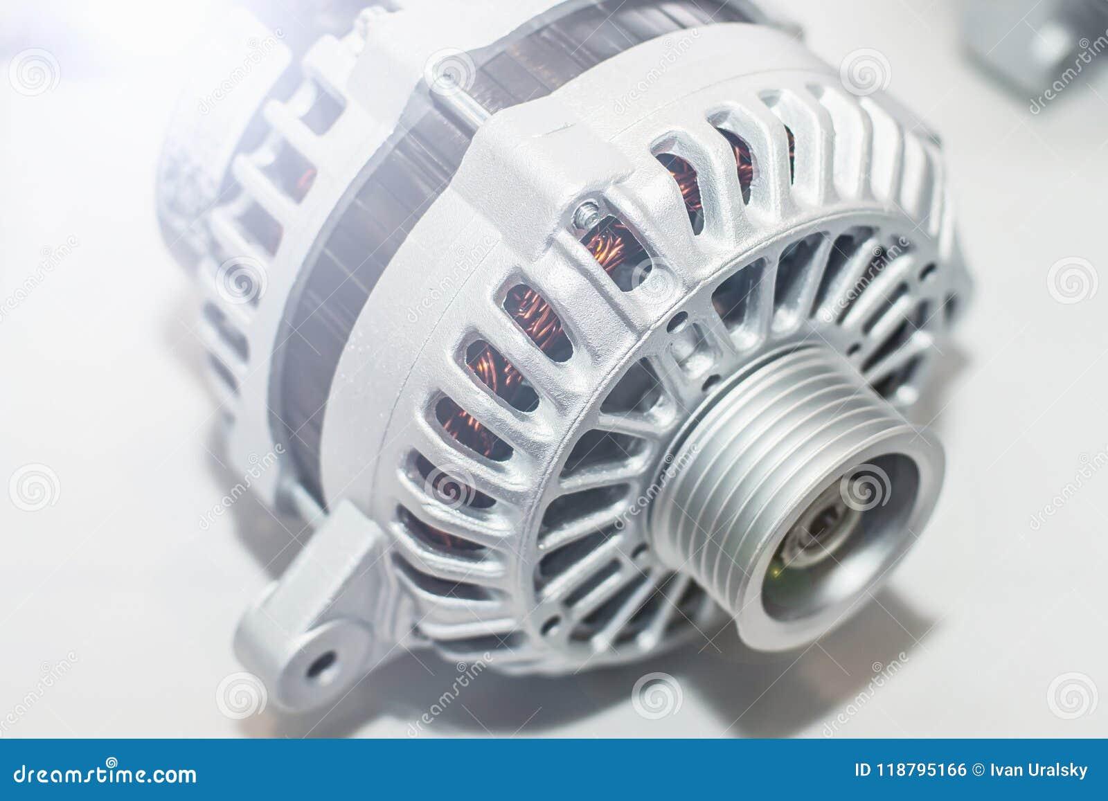Generatore di corrente sulla tavola Ingegneria della parte dell automobile