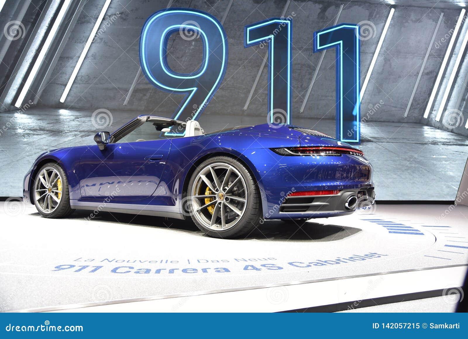 Genewa Szwajcaria, Marzec, - 05, 2019: Porsche 911 Carrera 4s kabrioletu samochód pokazywał przy 89th Lemańskim Międzynarodowym M