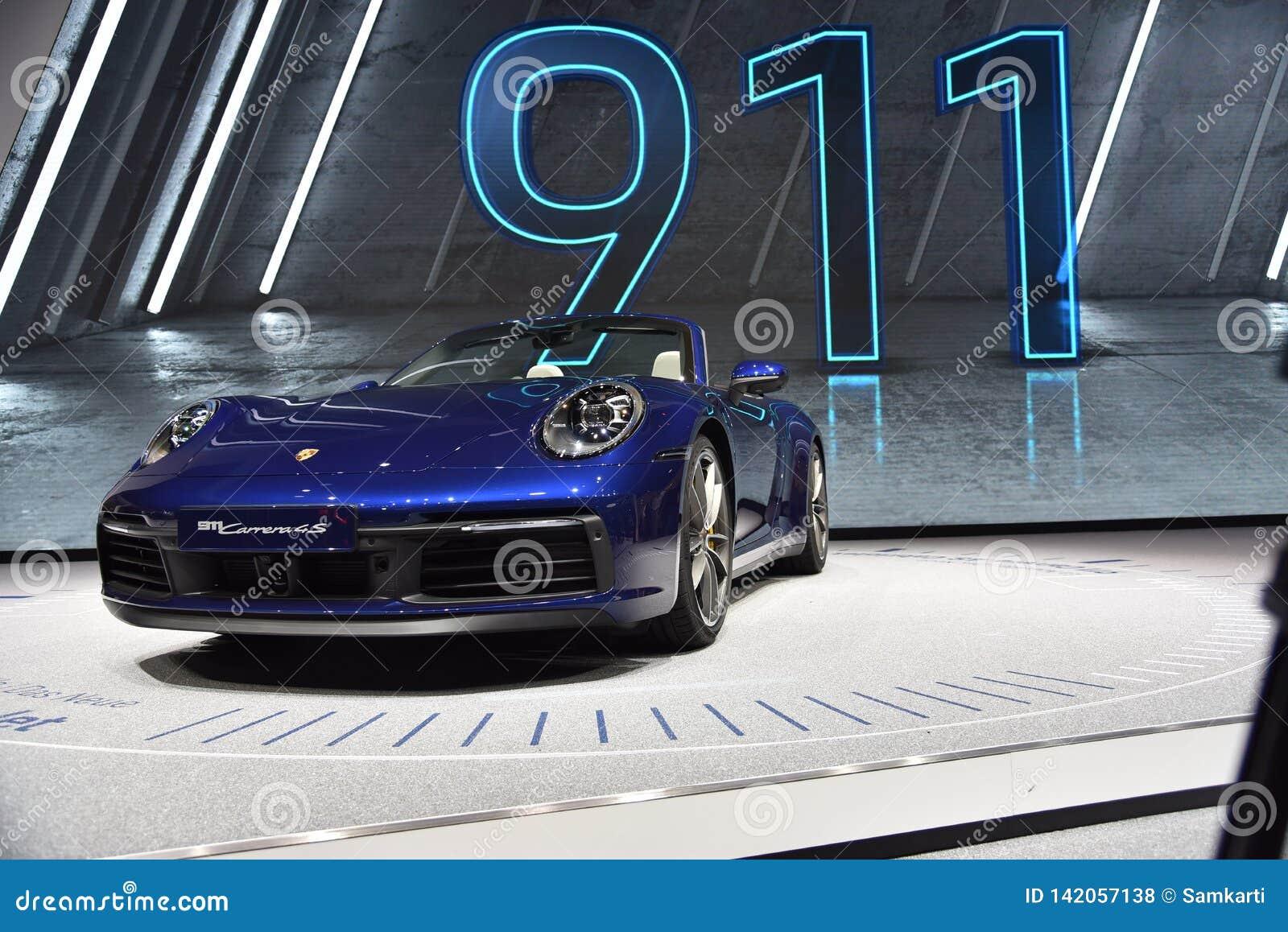 Genf, die Schweiz - 5. März 2019: Cabrioletauto Porsches 911 Carrera 4s stellte an der 89. Genf-Internationalen Automobilausstell
