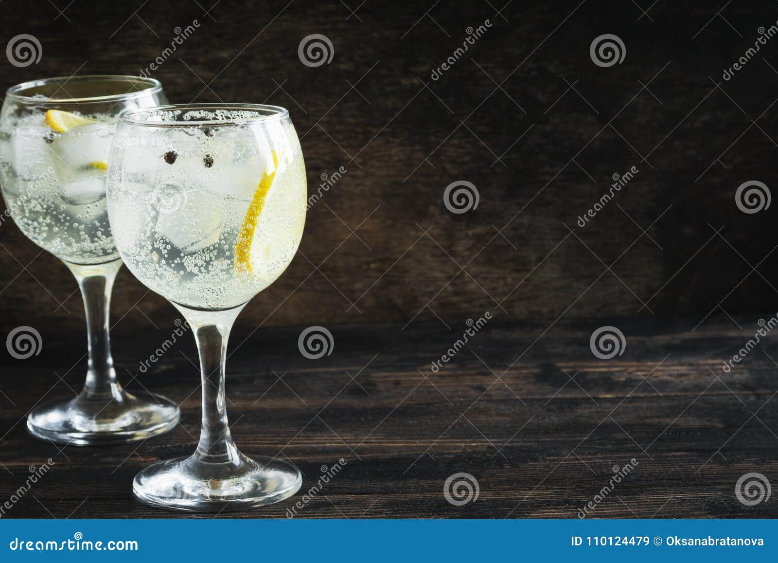 Genièvre et cocktail de tonique