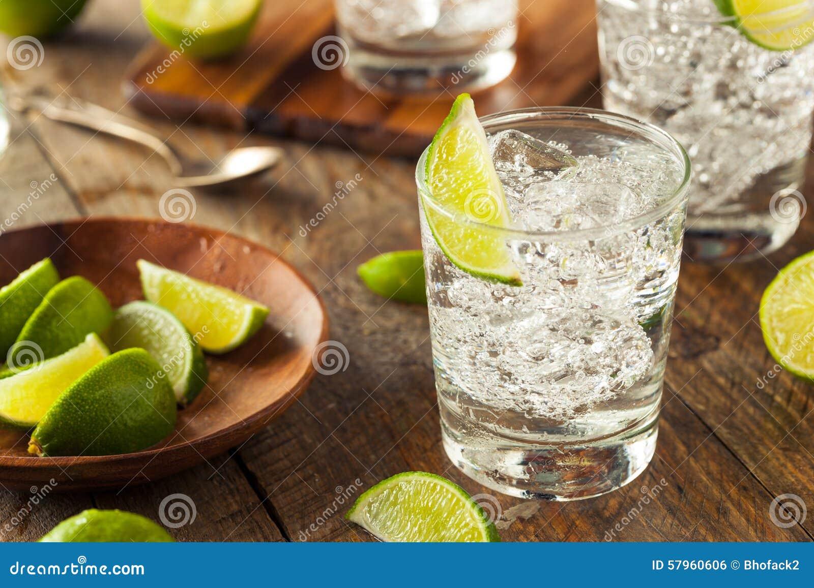 Genièvre et tonique alcooliques