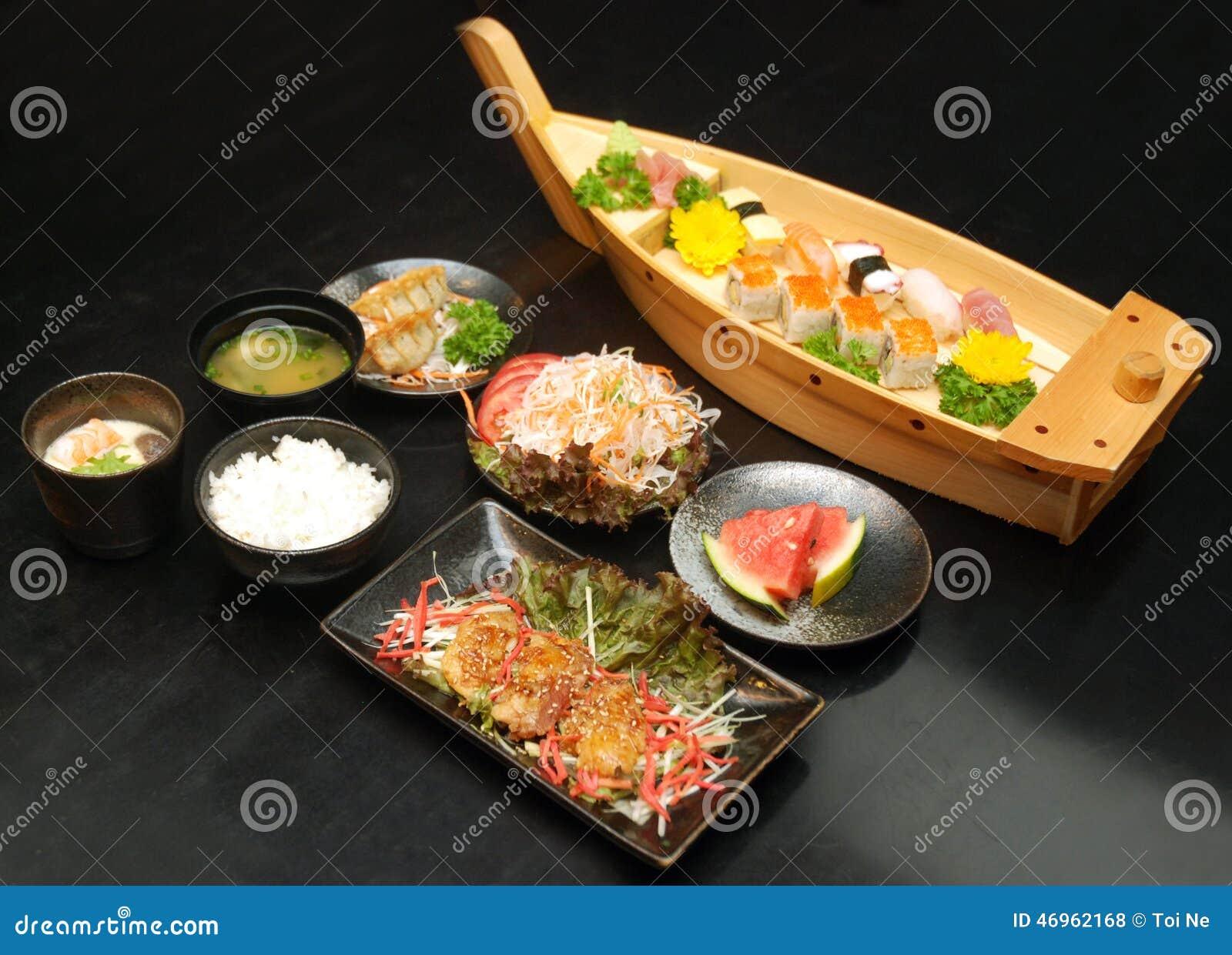 Genießen von japanischen Sushi in Ho Chi Minh City, Vietnam