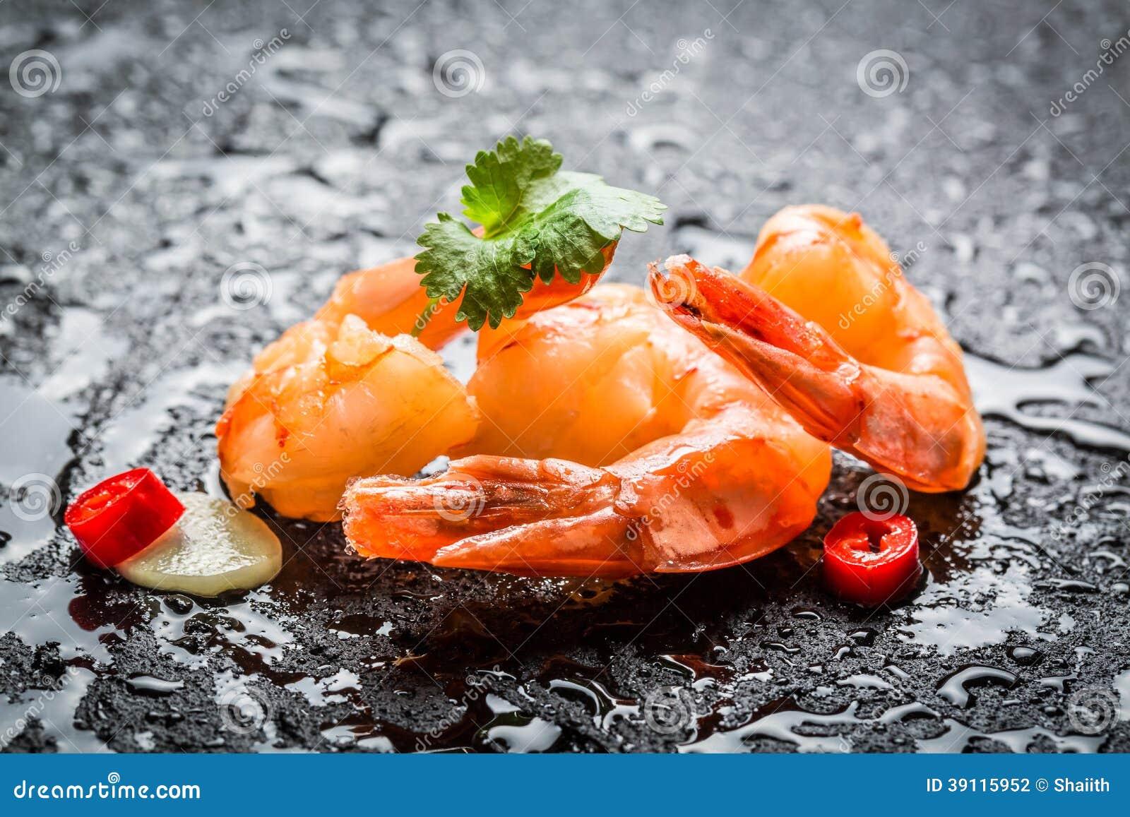 Geniet van uw verse zeevruchten