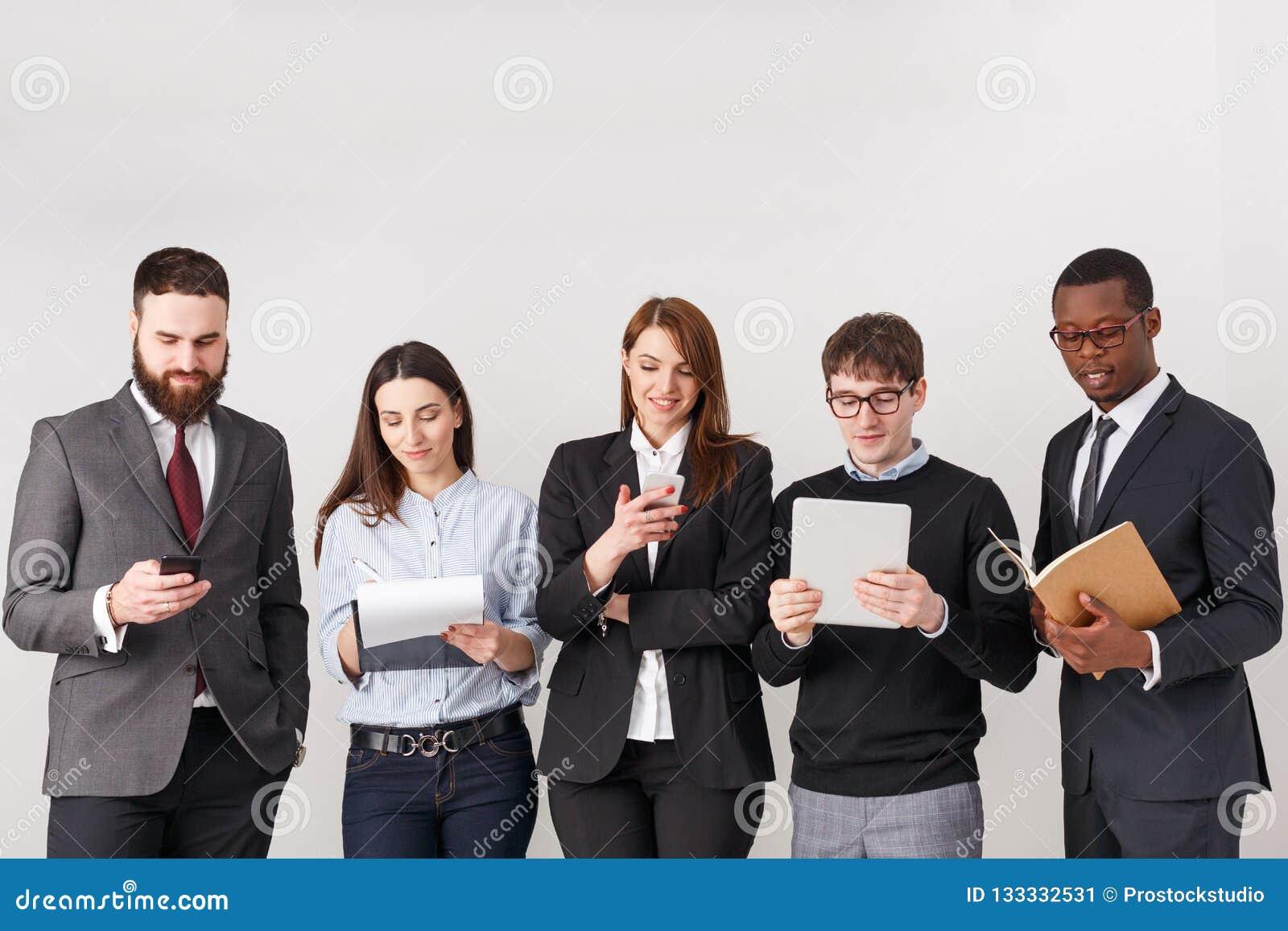 Gens d affaires de culture de travail d équipe, l espace de copie