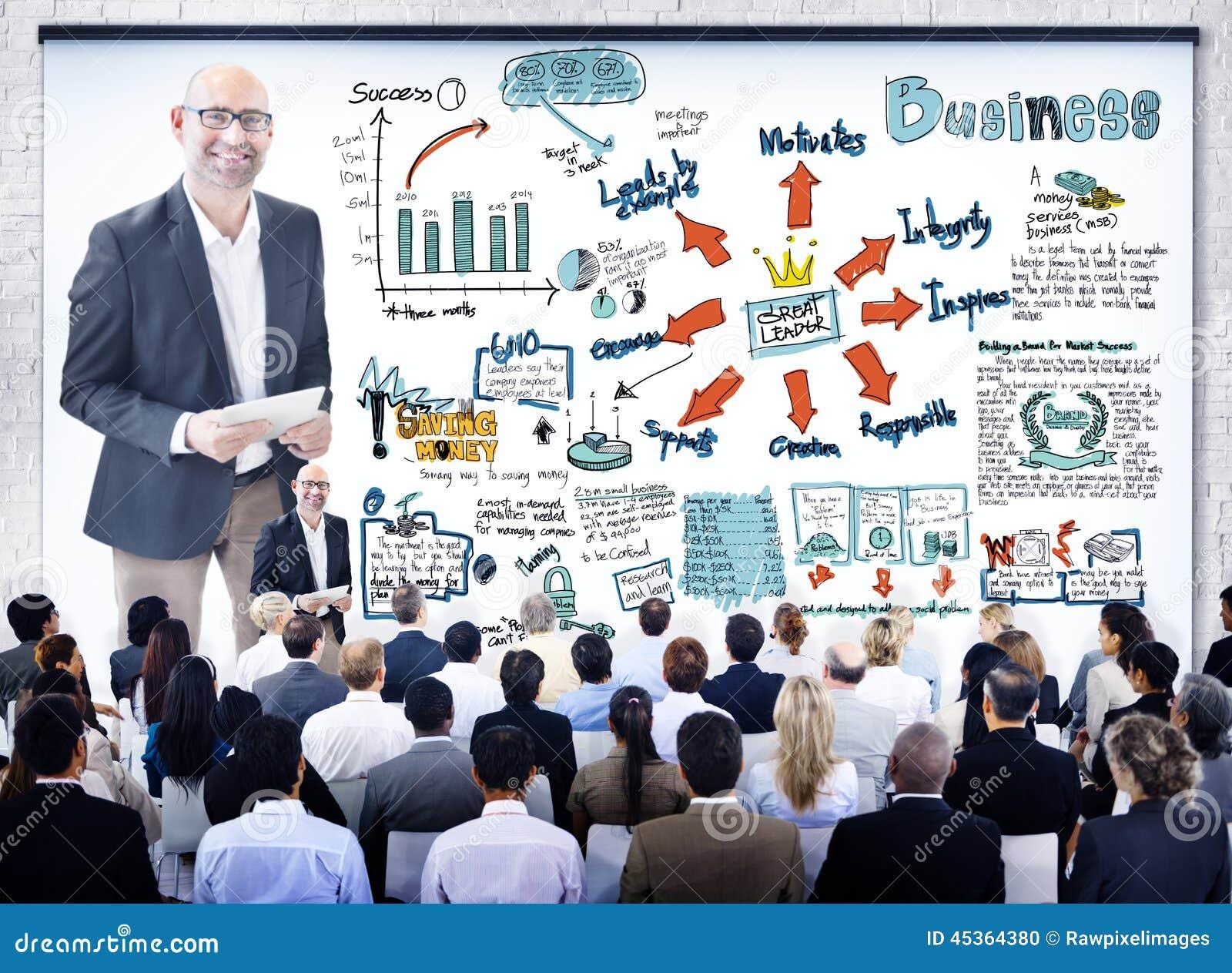 Gens d affaires divers dans un séminaire de leadership