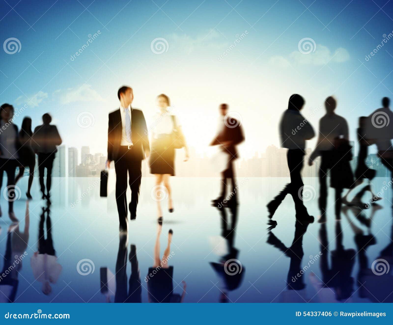 Gente di affari del pendolare di paesaggio urbano di concetto corporativo del pedone