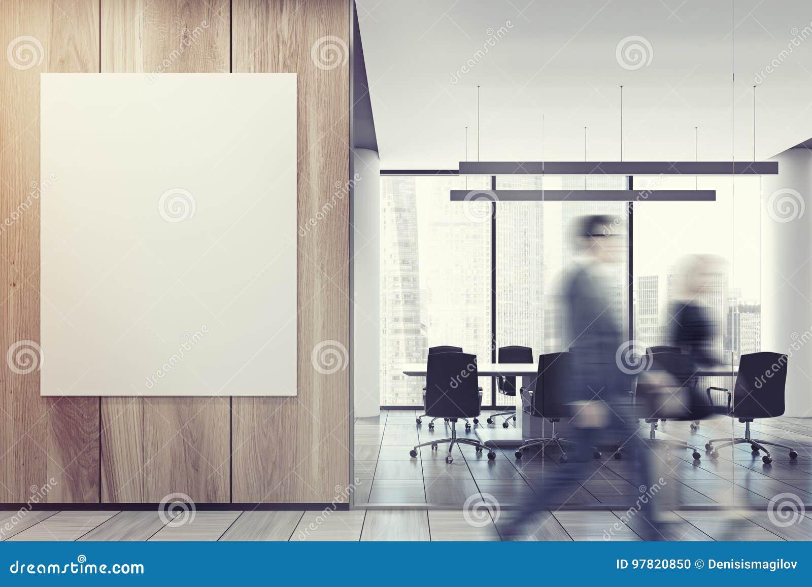 Gente di affari nell ingresso dell ufficio, parete di legno