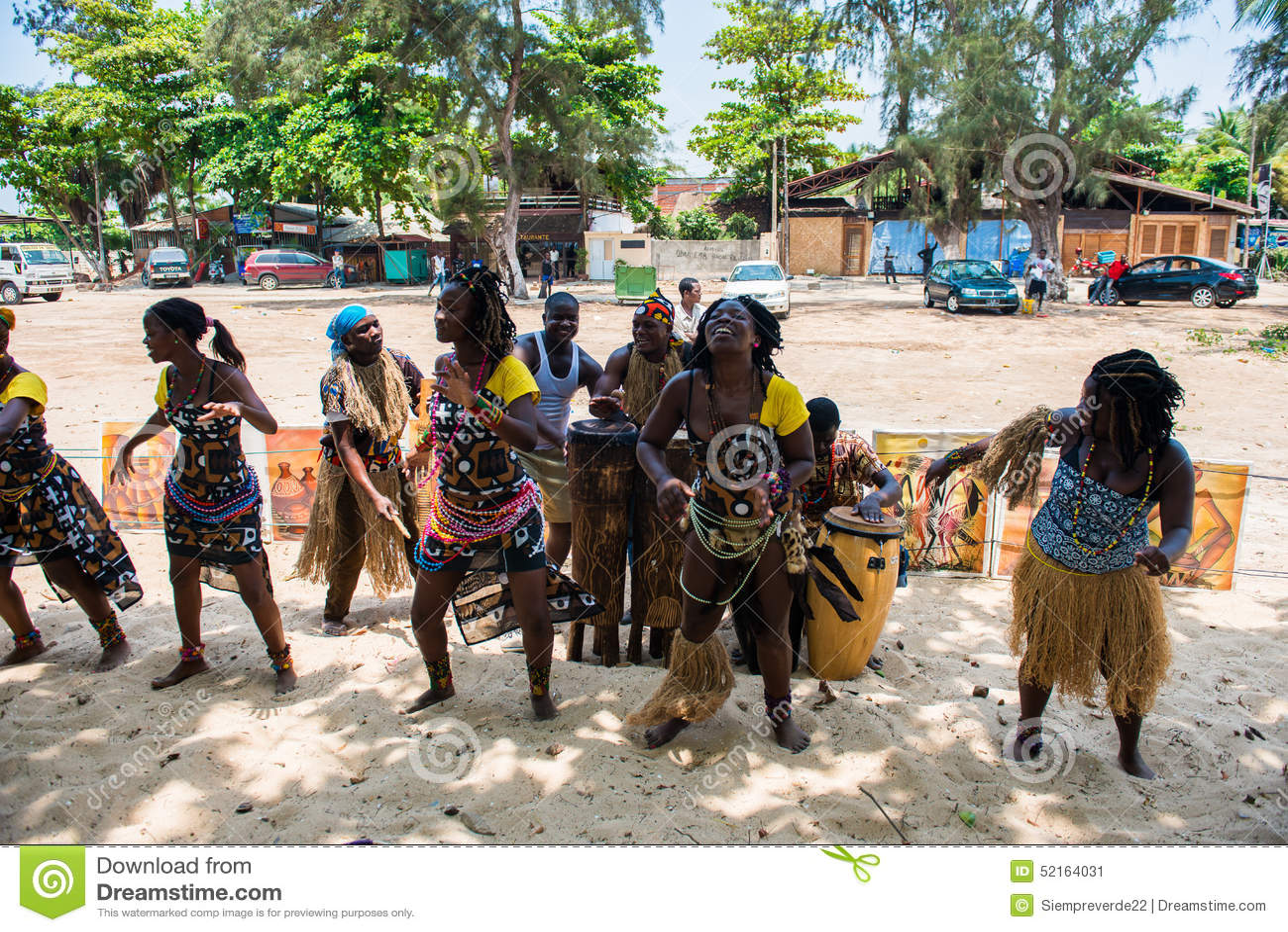 Gente en ANGOLA 2711a15eeb52