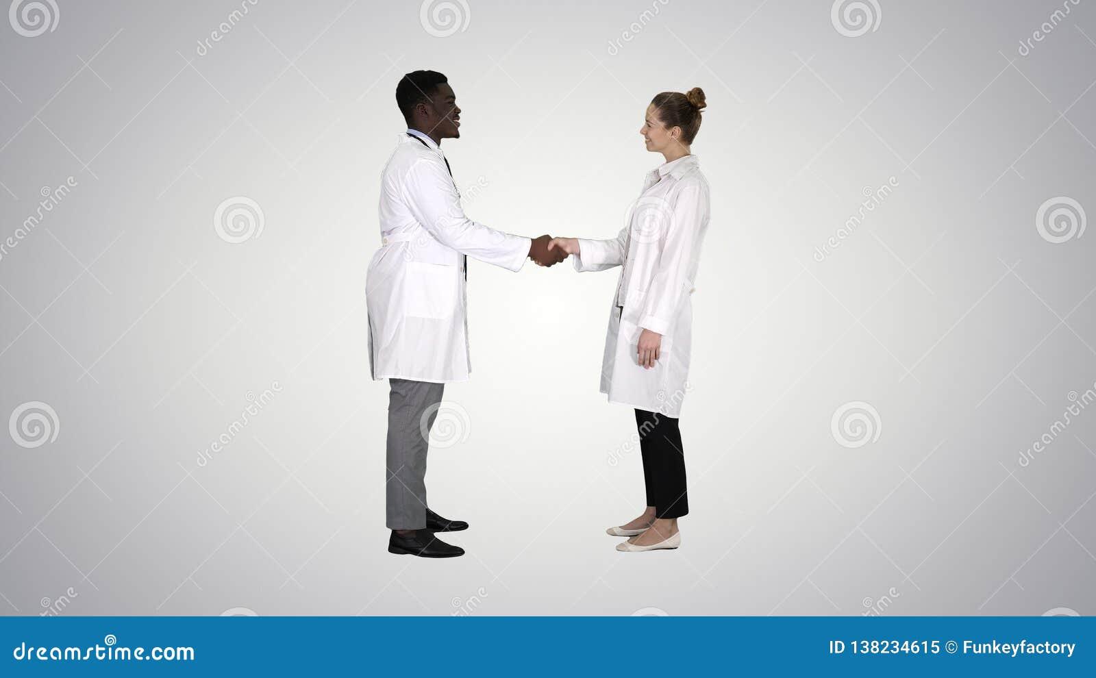 meilleur site de rencontres pour les médecins Singapour amis expatriés et datant