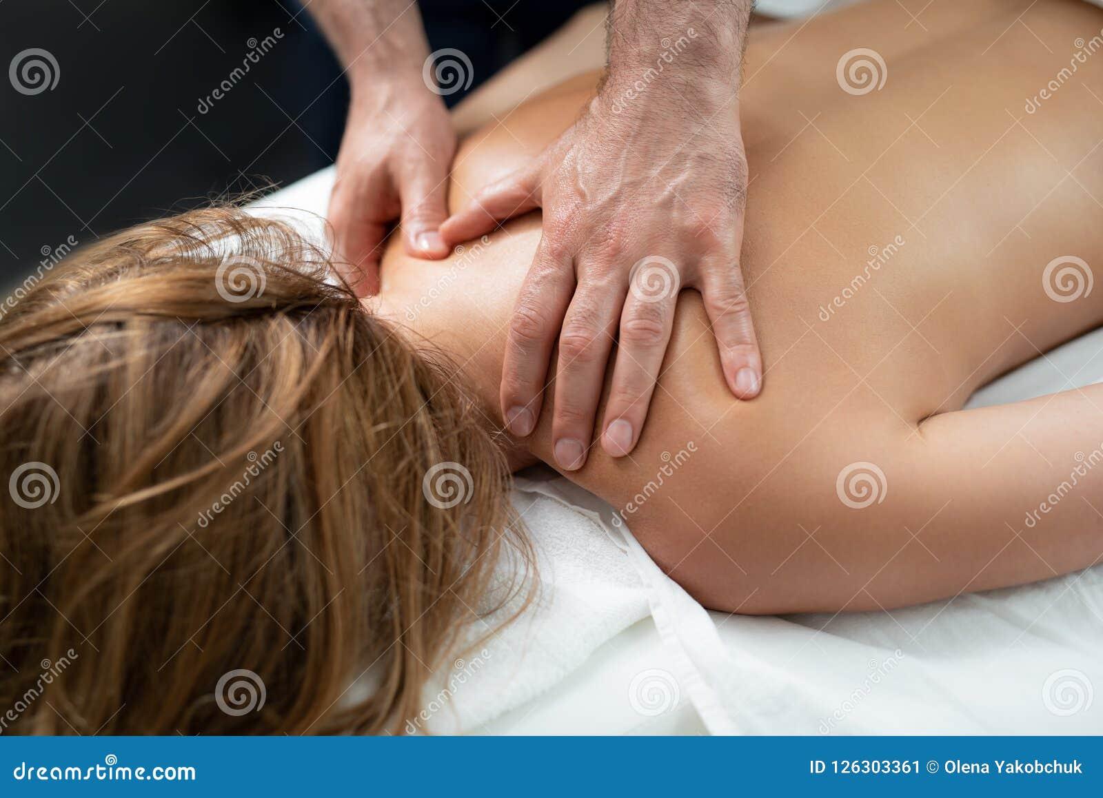 Massage female naked Nu