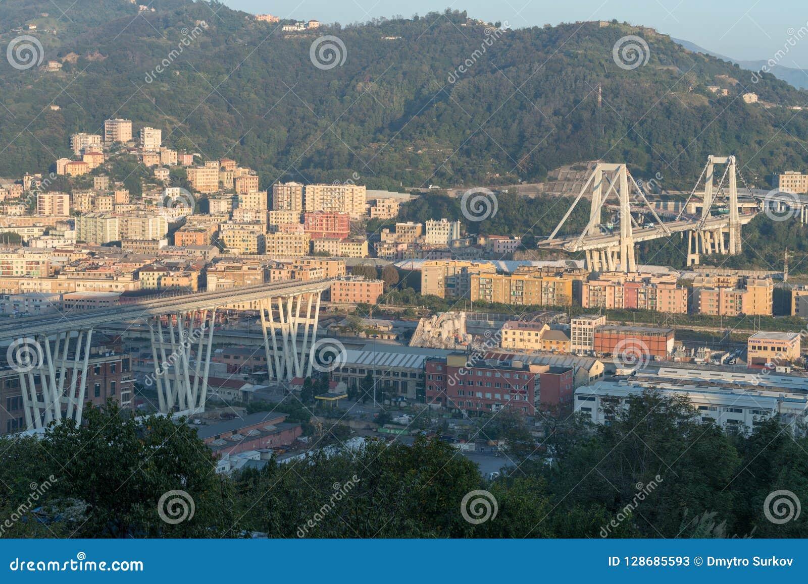 Genua, Italien Die Überreste der Morandi-Brücke, nach einem Abschnitt