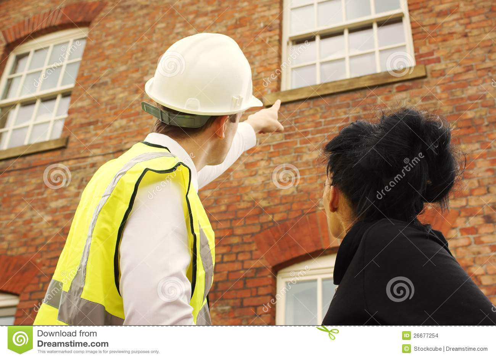 Geodeta budowniczego właściciel domu target132_0_ przy własność