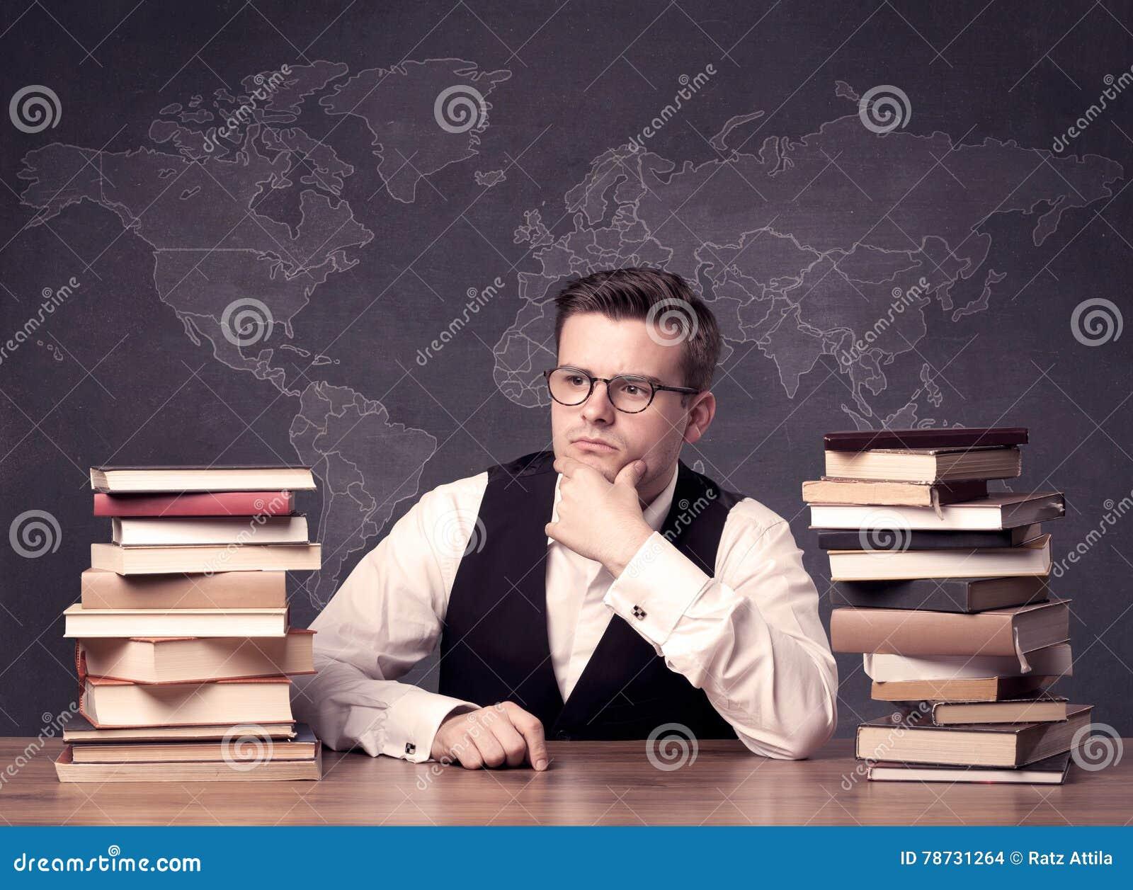 Geografilärare på skrivbordet
