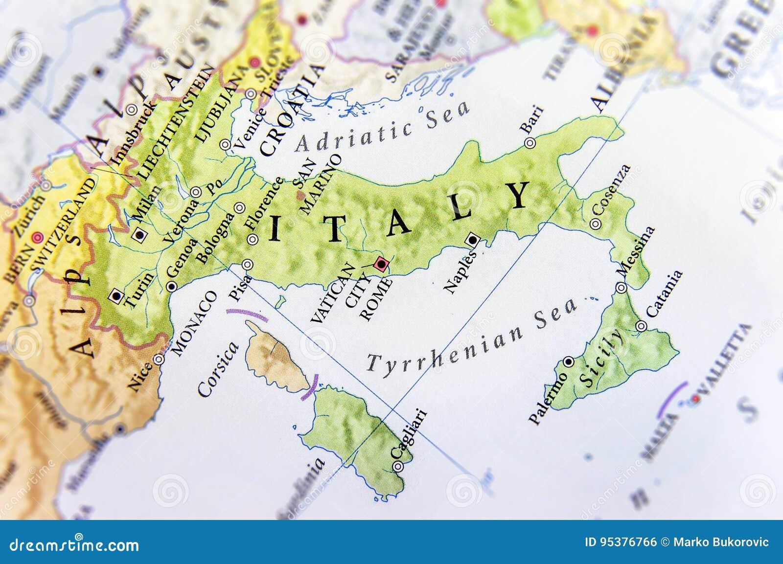 Geografisk översikt av det europeiska landet Italien med viktiga städer