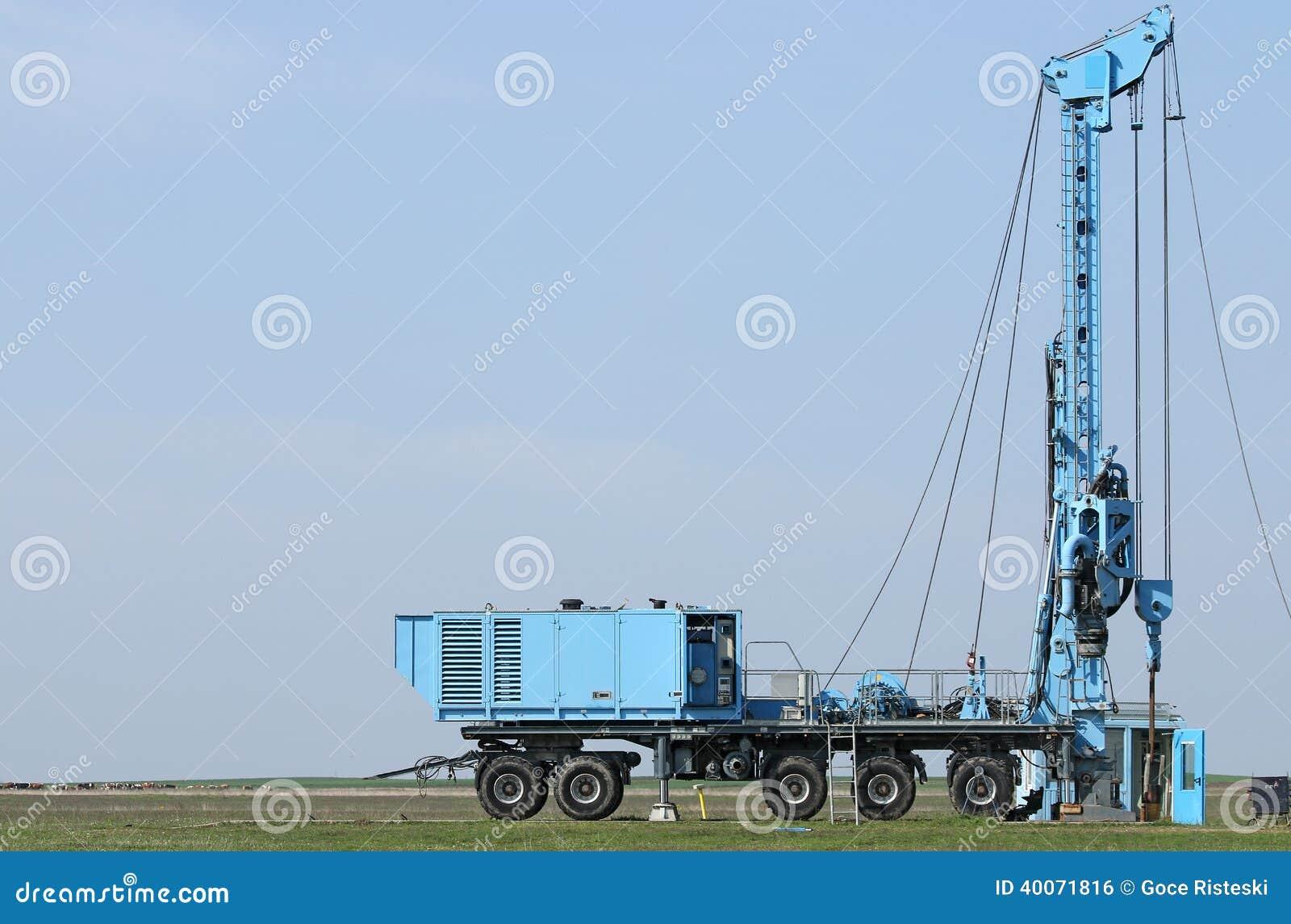 Geologii i eksploracja złóż ropy naftowej wiertniczego takielunku mobilny pojazd