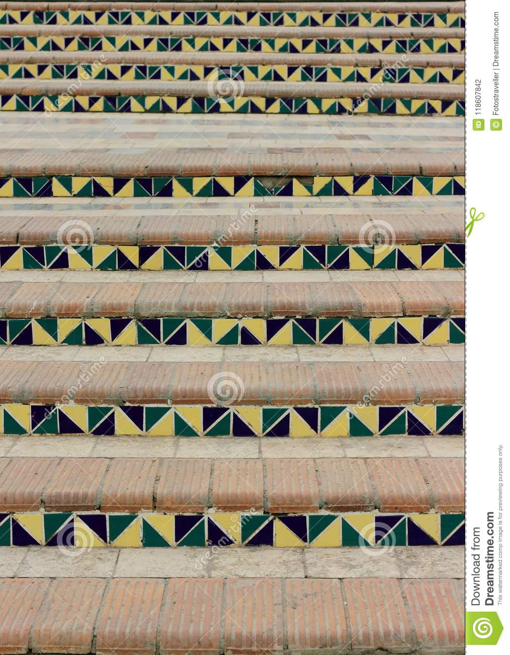 Geometry and geometric figures in architecture
