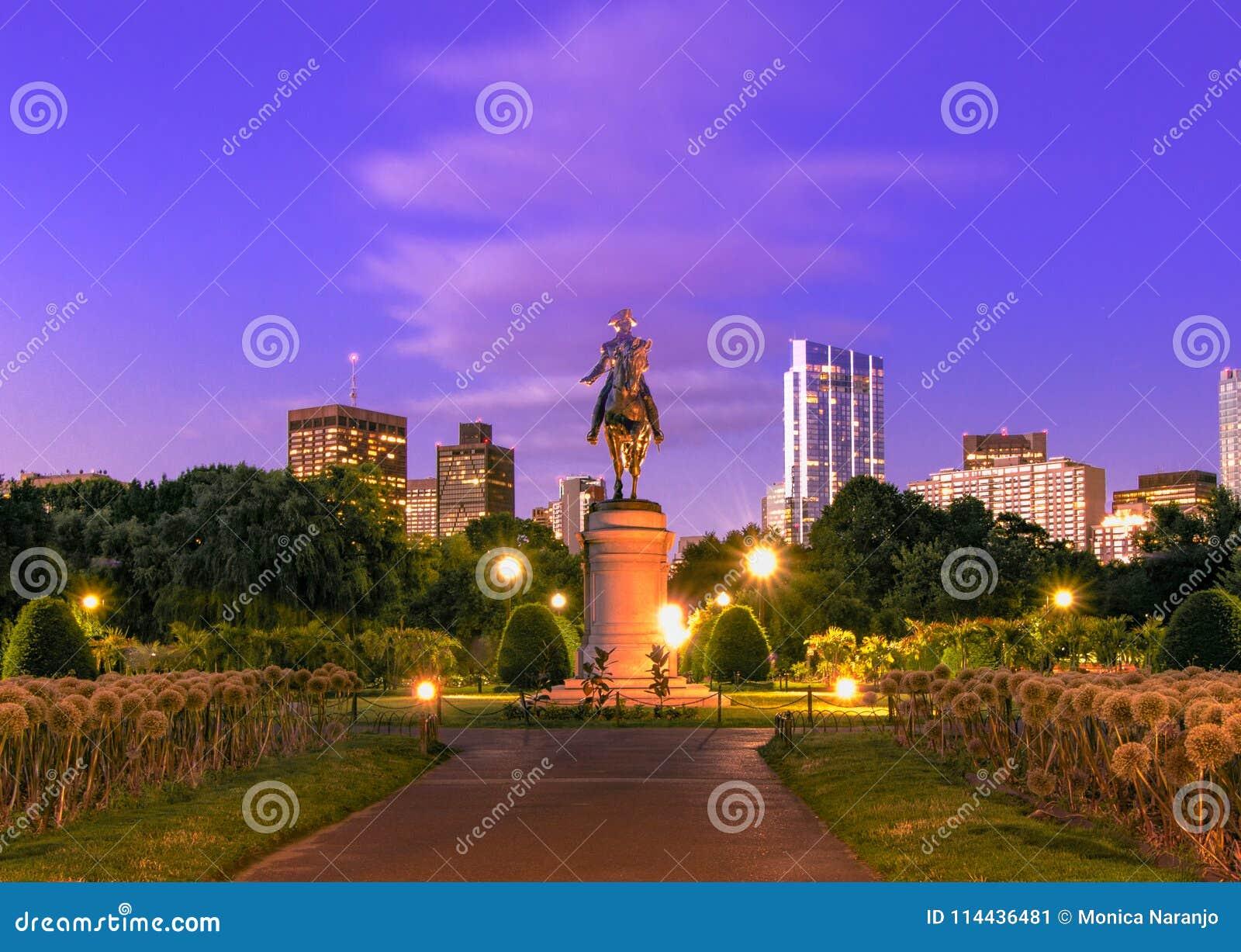 George Washington Statue en el jardín público de Boston