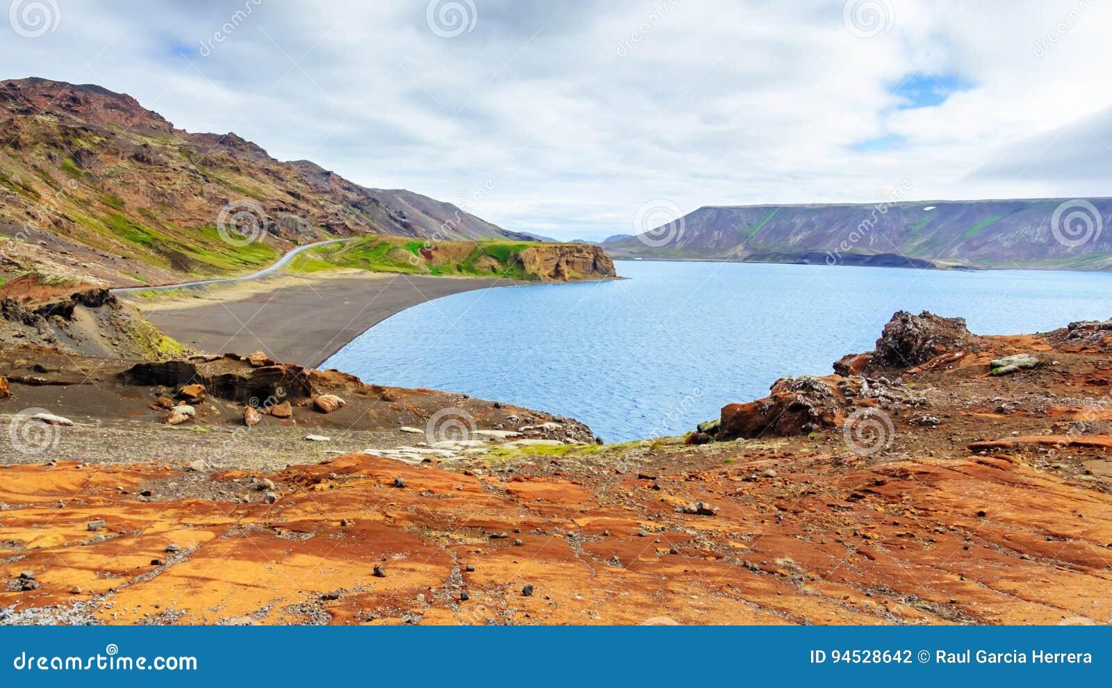 Geotermiczny jezioro w Iceland, Kleifarvatn jezioro, Reykjanes półwysep