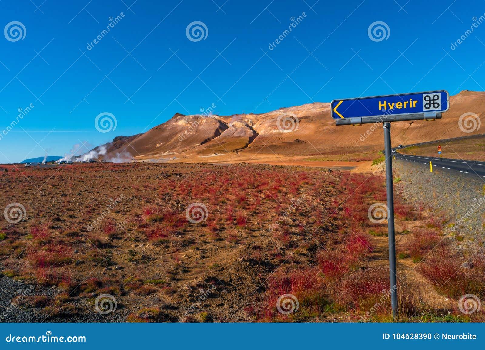Download Geothermische Actieve Streken Genoemd Hverir Op IJsland Stock Foto - Afbeelding bestaande uit landschap, boiling: 104628390