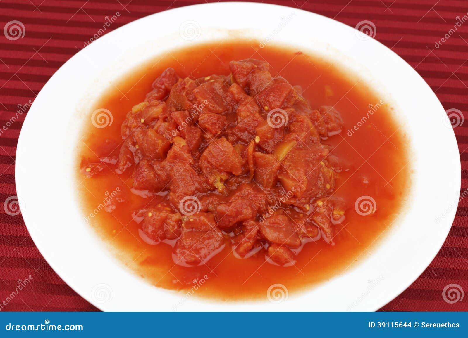 Gepelde en Gehakte Tomaten
