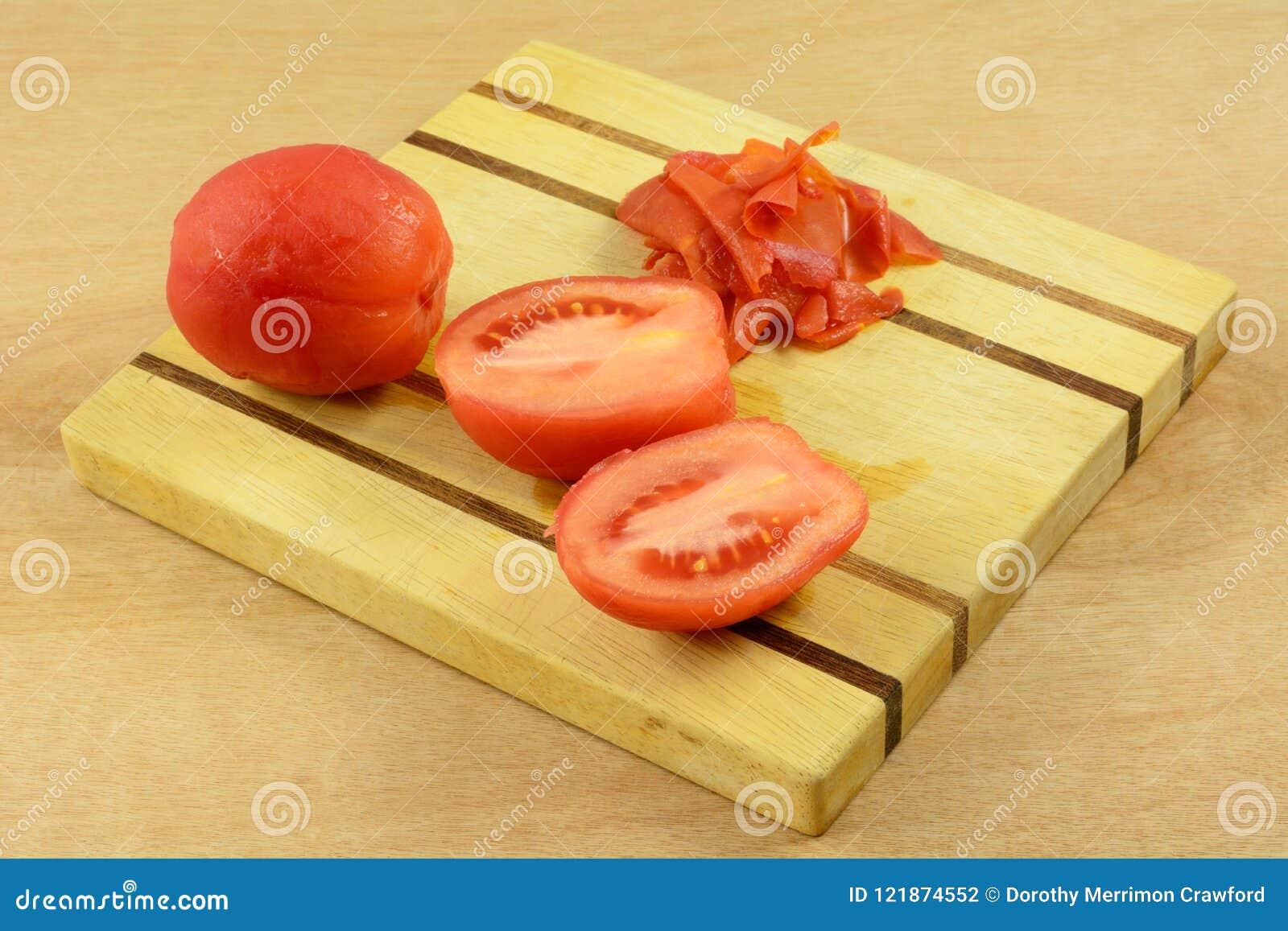 Gepelde tomaten met schil