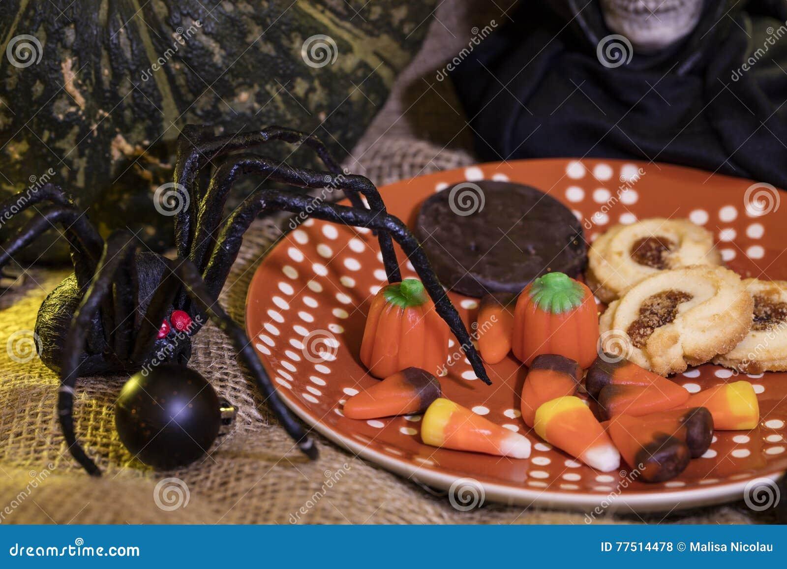 Geplateerd Koekjes en Halloween-Decor