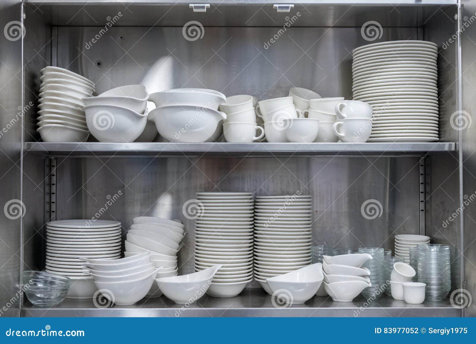 Geräte im Küchenschrank stockfoto. Bild von dekor, zuhause - 83977052
