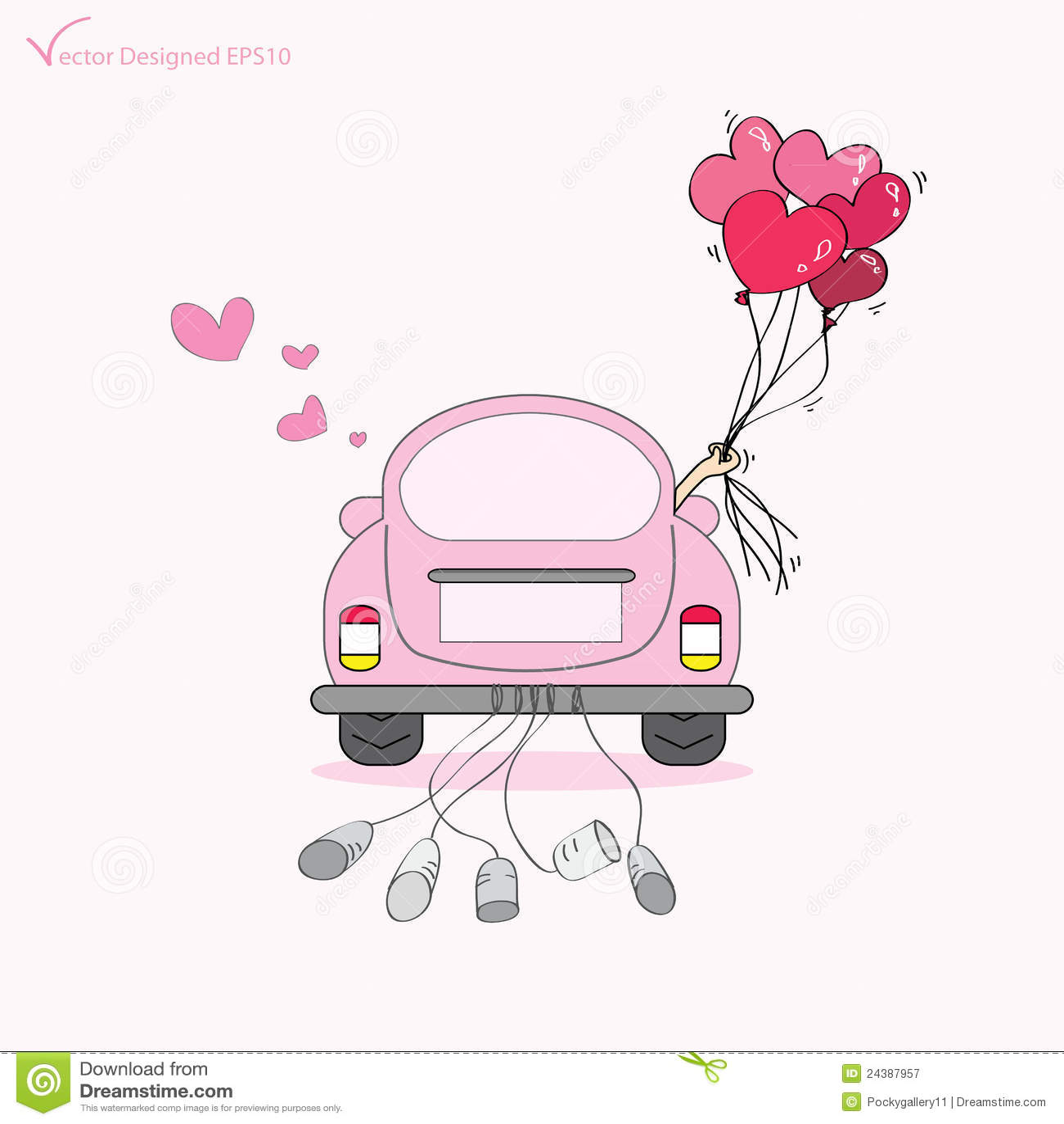 Gerade geheiratet auf dem Autoantreiben zu ihren Flitterwochen