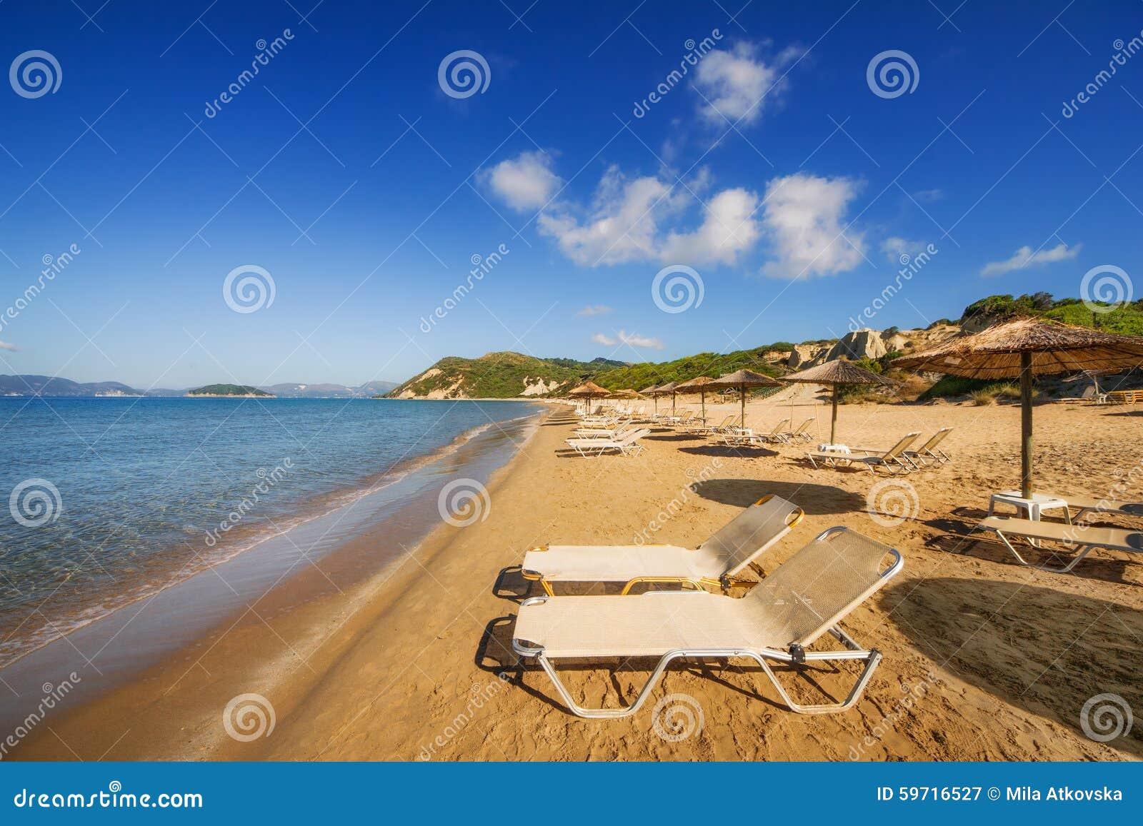 Gerakas wyrzucać na brzeg na Zakynthos wyspie (ochraniający Caretta Caretta żółw gniazduje miejsce)