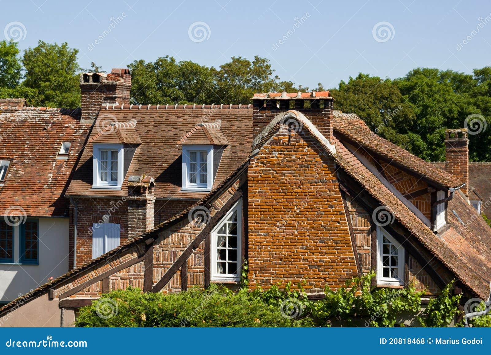 France) http://www.les plus beaux villages de france.org/en/gerberoy #4E5C18 1300x957