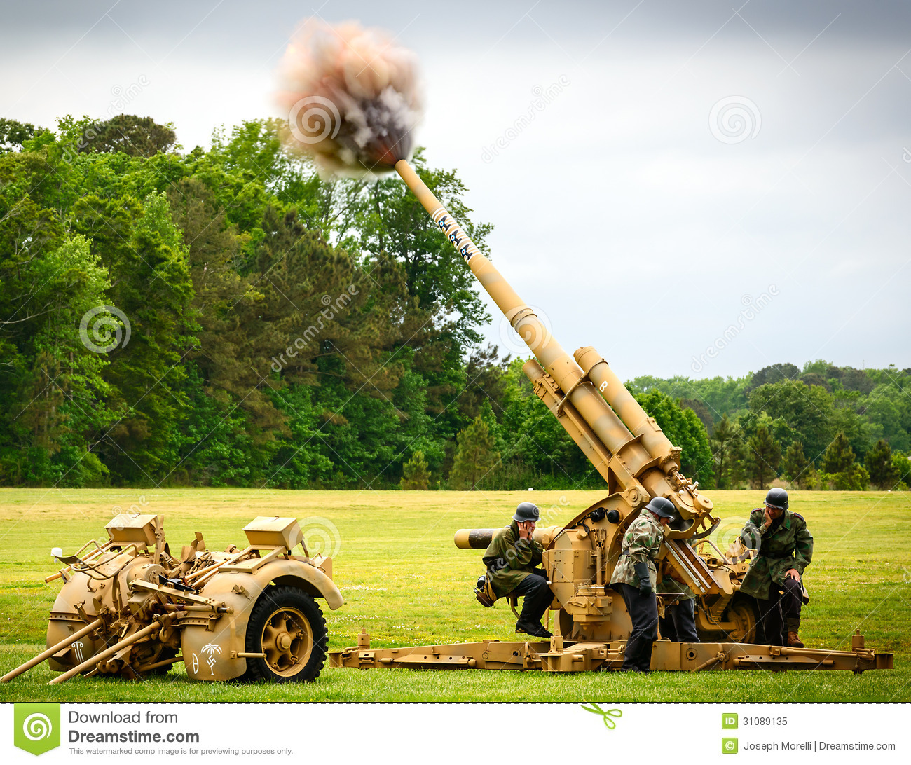 German 50 Mm Anti Tank Gun: German 88mm Anti-aircraft Gun Editorial Image