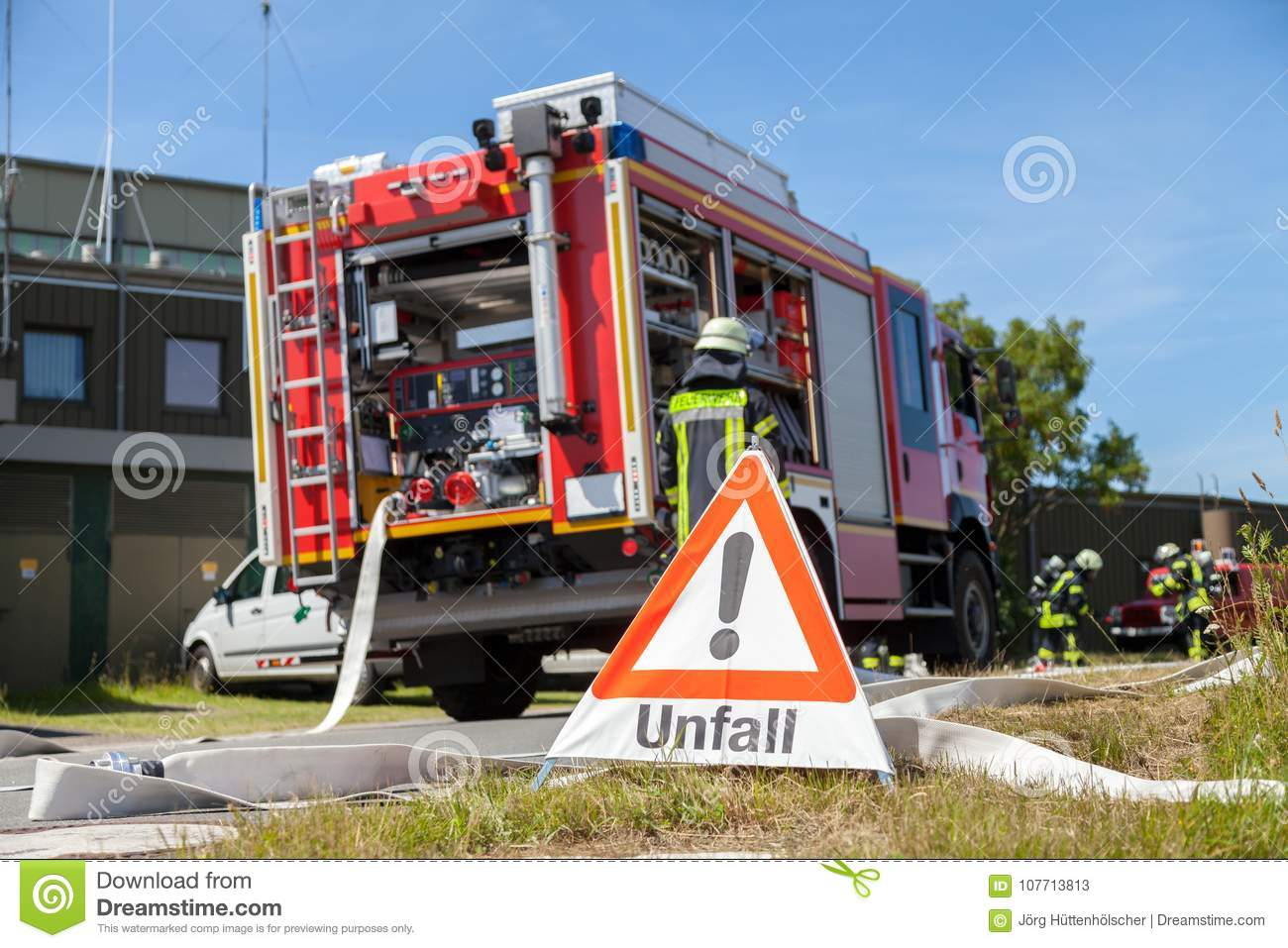 Unfall Stock Images - Download 25 Photos