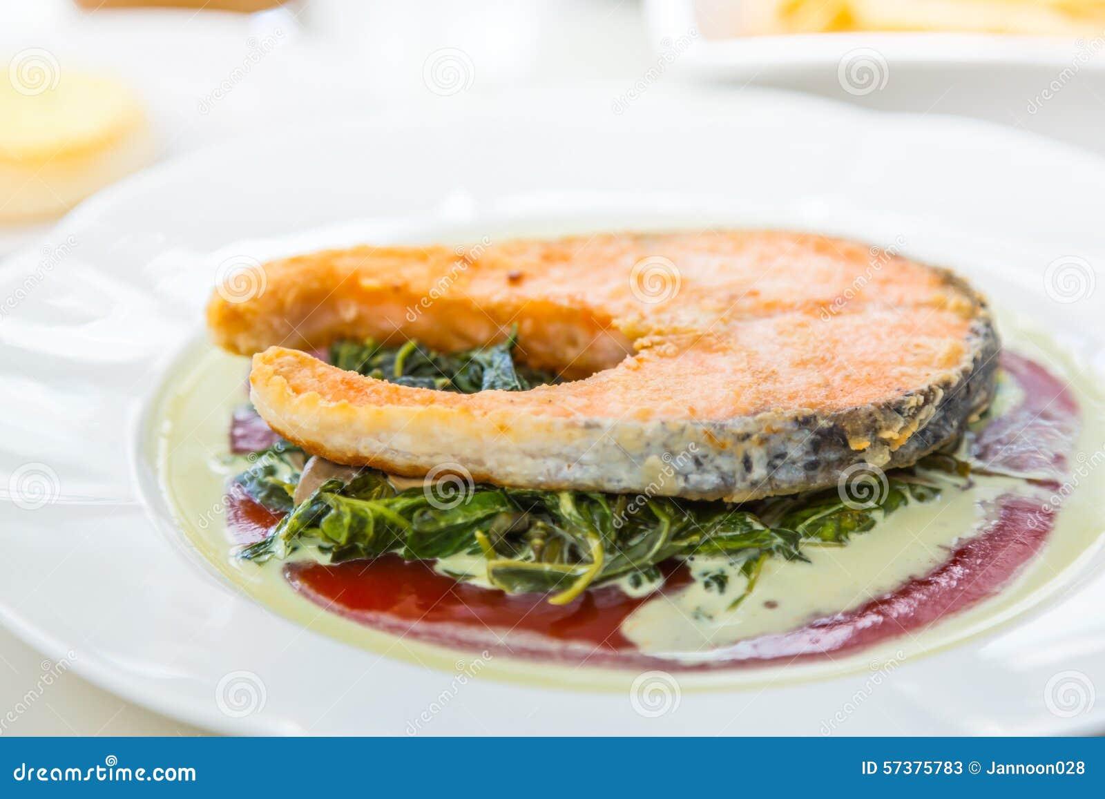 Geroosterd zalmlapje vlees