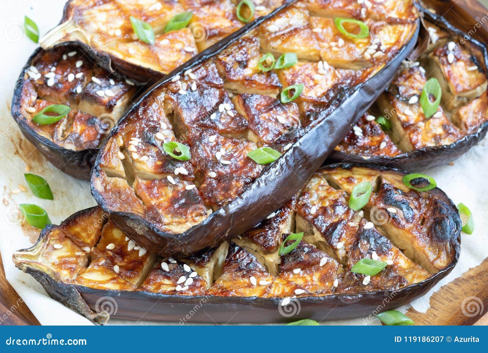 Geroosterde aubergine met Miso Glans, nasudengaku