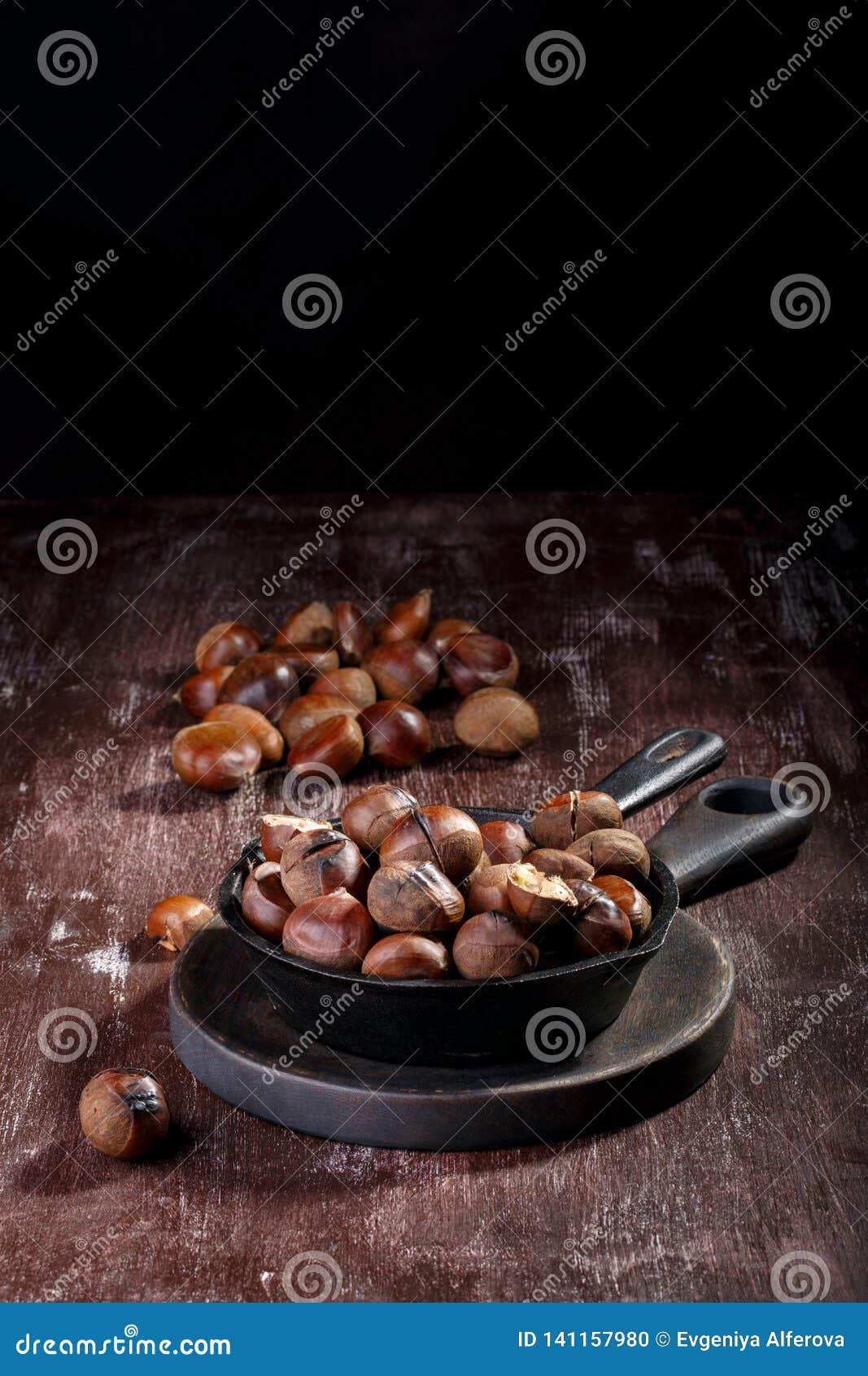 Geroosterde eetbare kastanjes