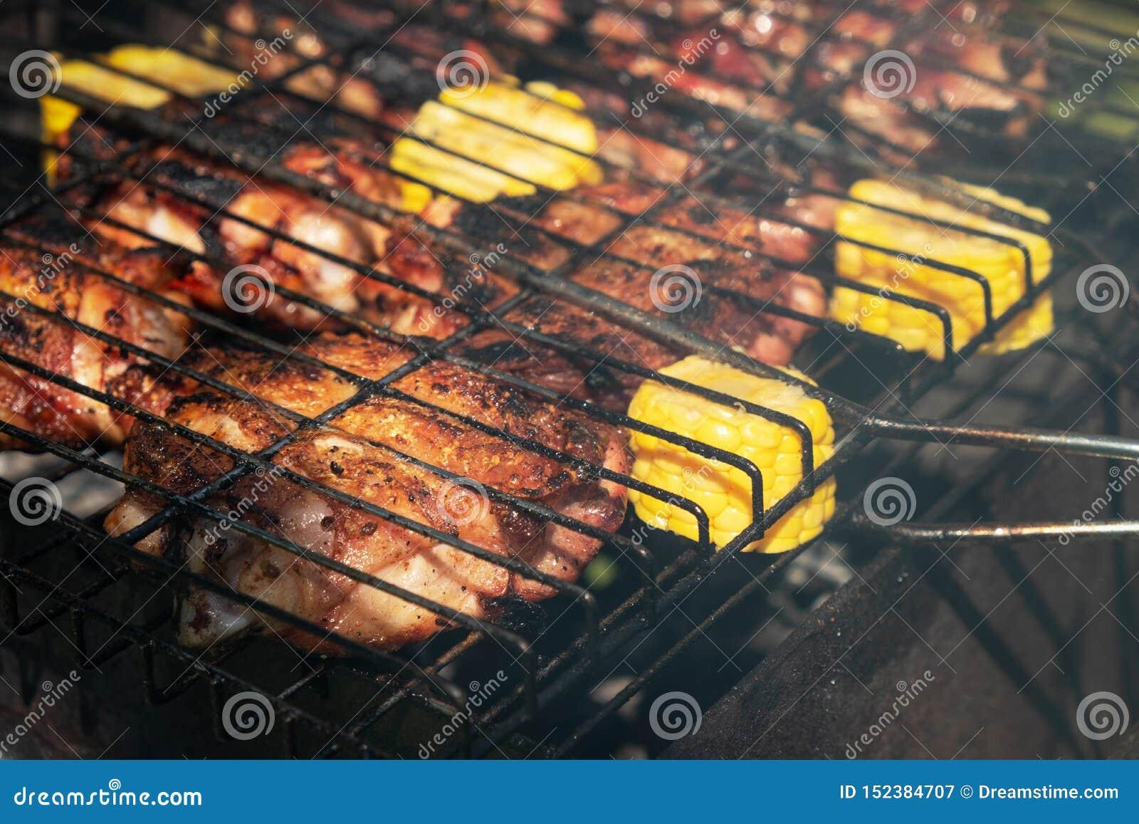 Geroosterde kippenstukken met graan, de zomerpicknick